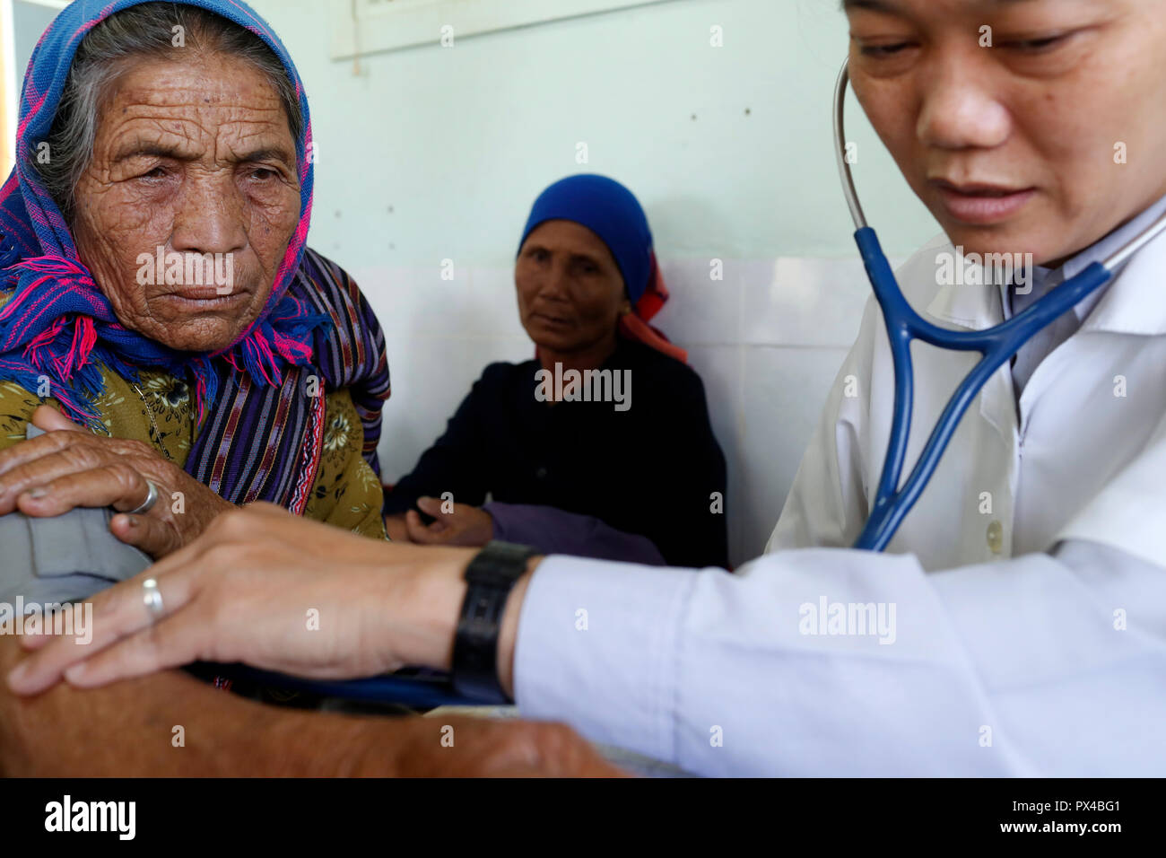 Free health clinic run by the Franciscan Missionaries of Mary.  Medical consultation. Dalat. Vietnam. - Stock Image