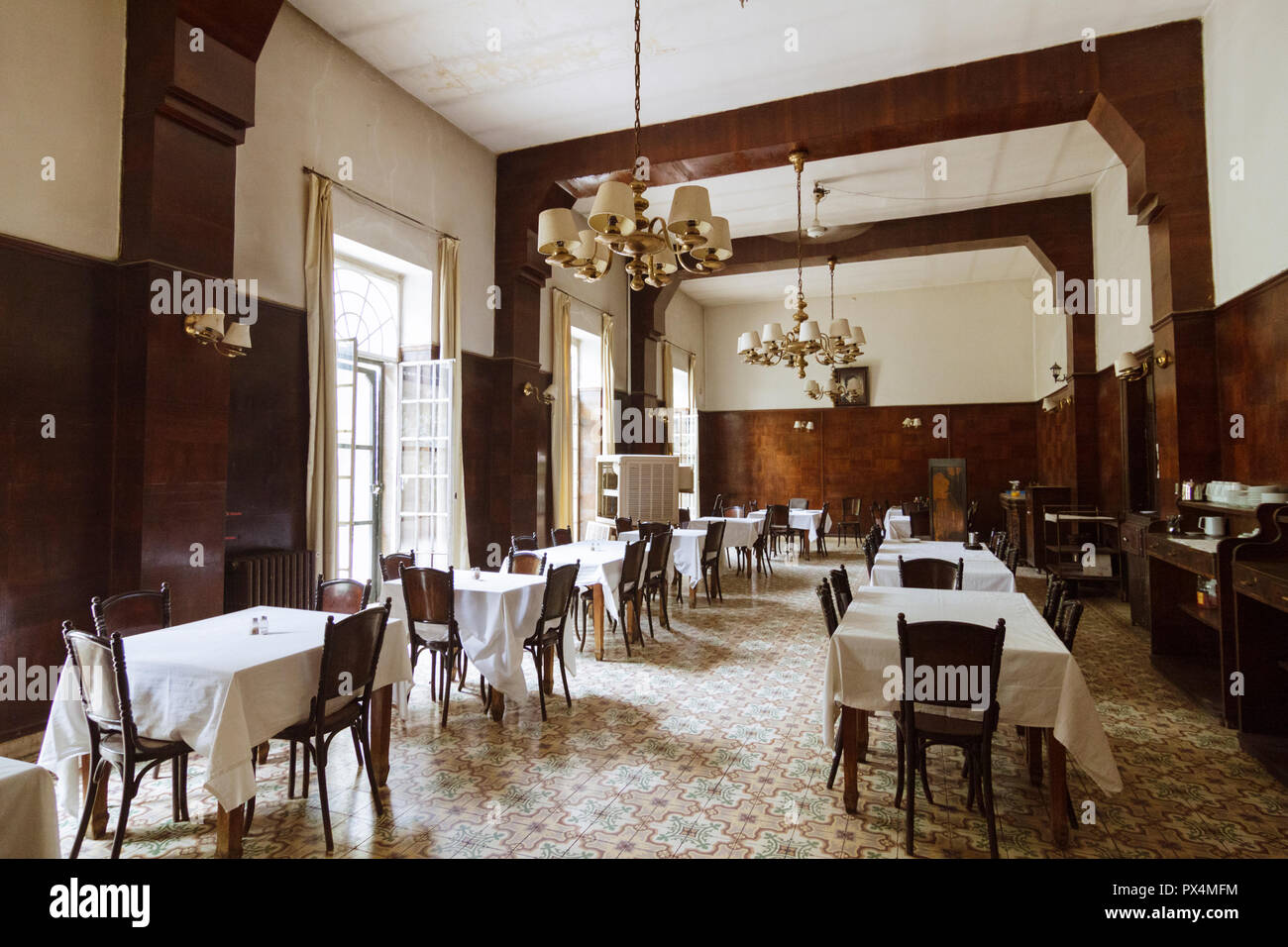 Aleppo, Aleppo Governorate, Syria : Restaurant of the Baron Hotel. Built betwen 1909 and 1911, the Baron is the oldest operating hotel in Syria. - Stock Image