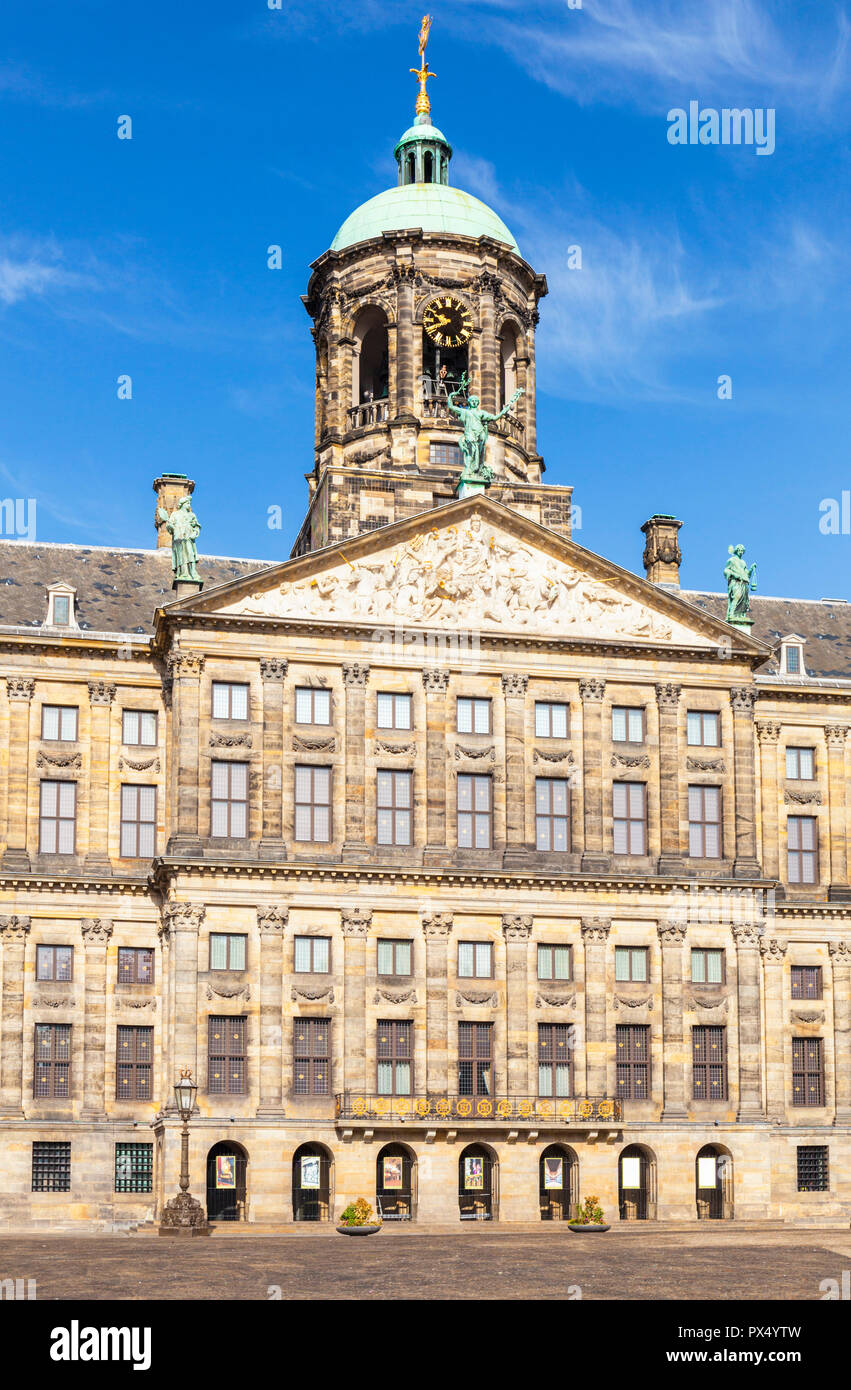 Amsterdam Royal palace Koninklijk Paleis rooftop detail in Dam square Amsterdam  central Amsterdam Netherlands Holland EU Europe - Stock Image