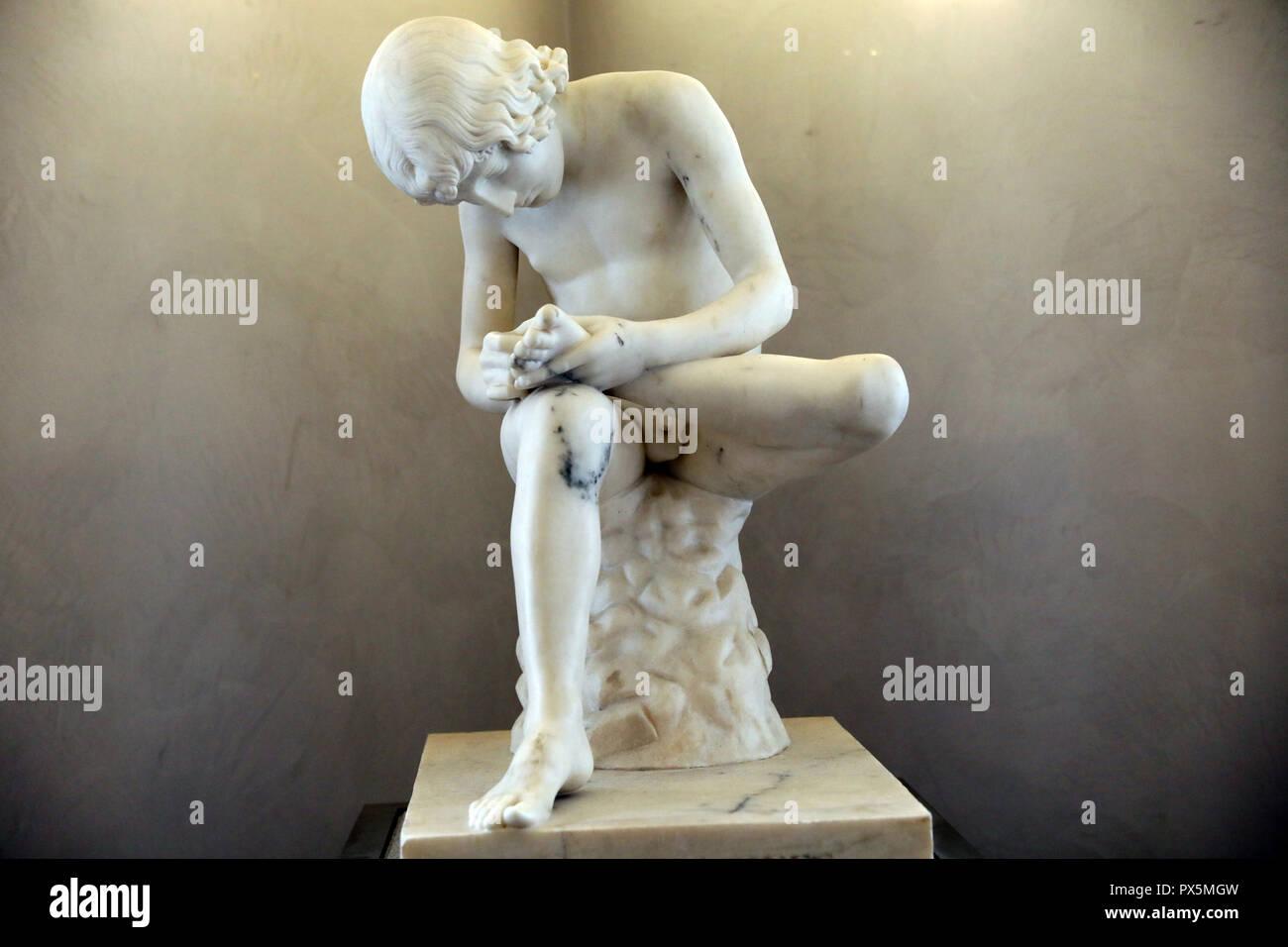 MusŽe des Beaux-Arts, Lyon, France. Fine Art museum, Lyon, France. Abel Dimier, Boy with thorn, Marble. - Stock Image