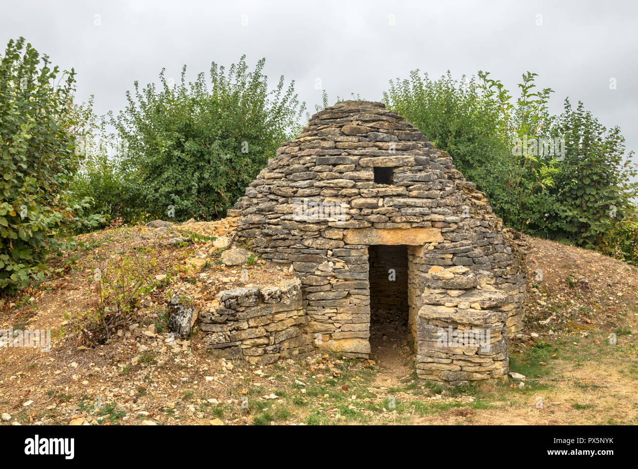 Dry stone wall hut known as Cadole at Plateau de blu, Champagne region, France - Stock Image