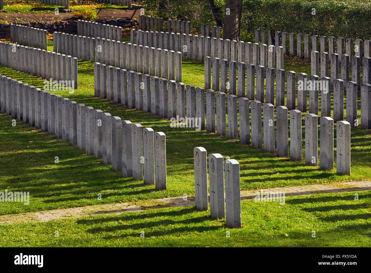Montreal,Canada,18 October,2018.Soldiers gravestones in war cemetary.Credit:Mario Beauregard/Alamy Live News - Stock Image