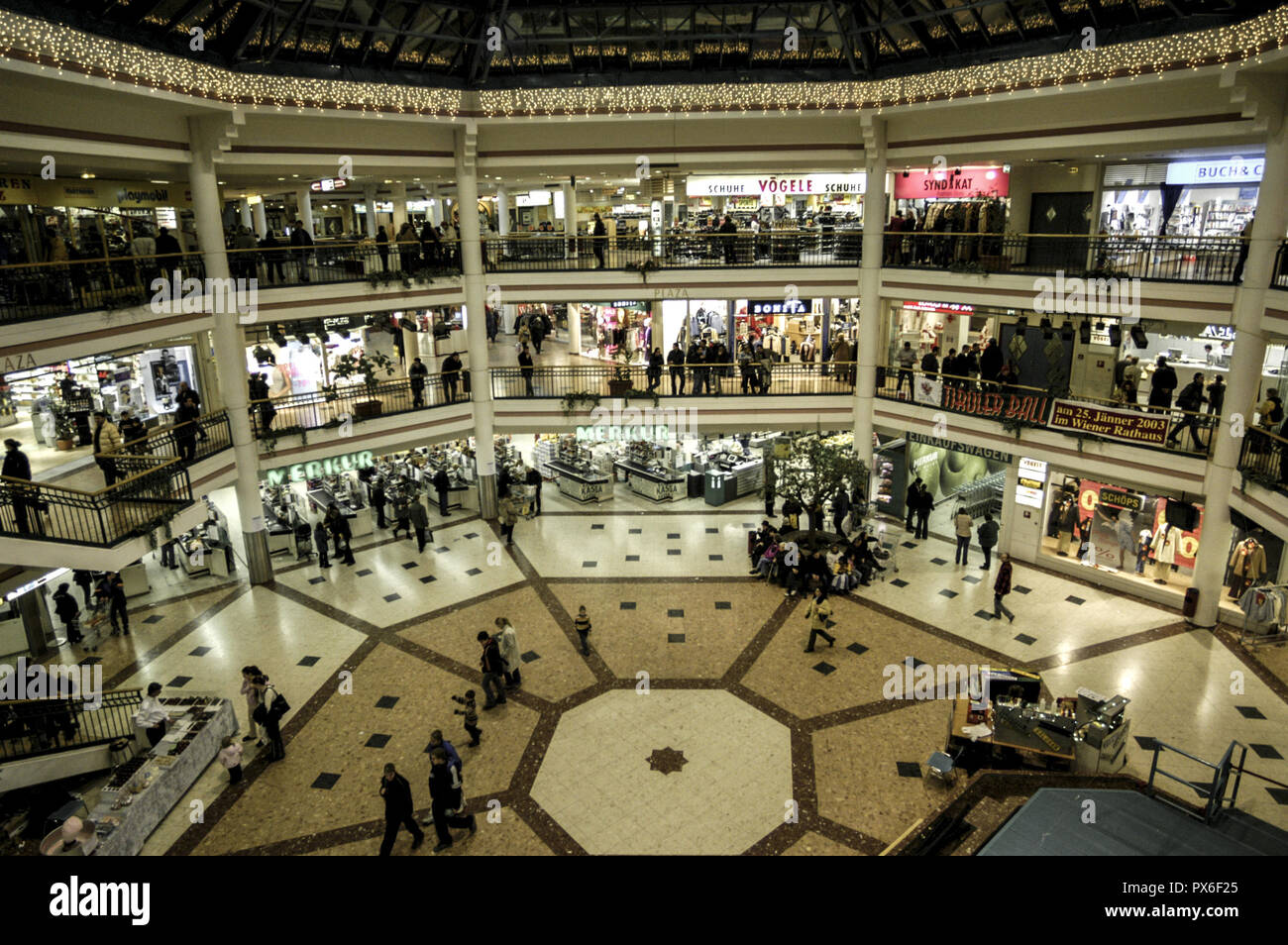 Shopping Center Lugner City Stock Photo 222649005 Alamy