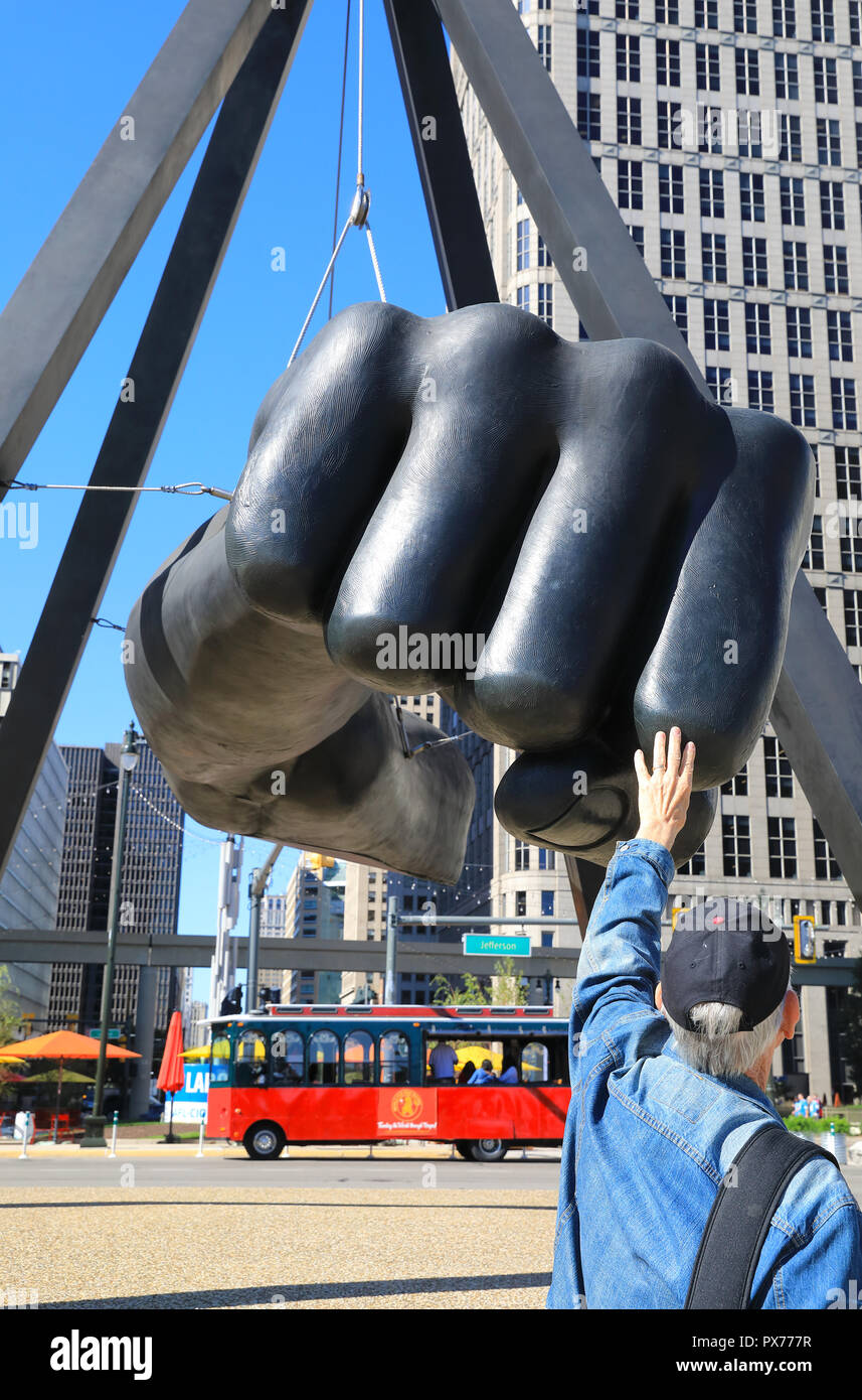 The Monument to Joe Louis, heavyweight champion 1937-50, known also as The Fist, the memorial to the boxer, on Woodward & Jefferson, in Michigan, USA - Stock Image
