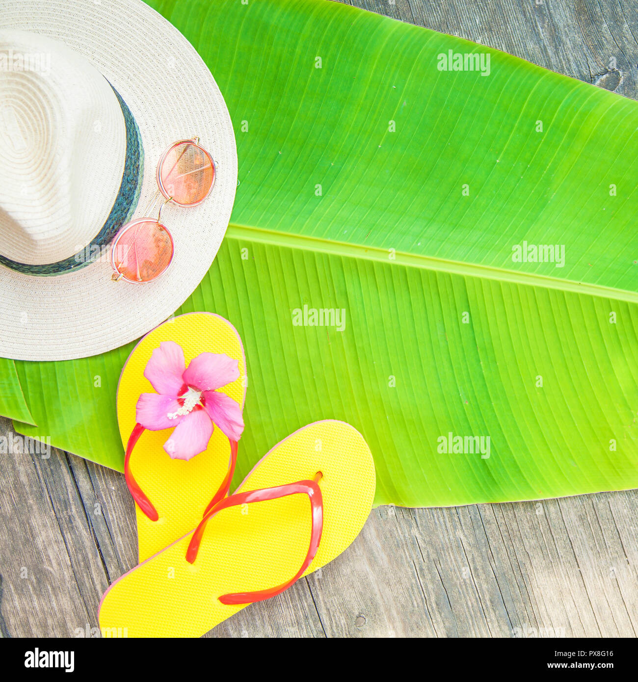 16f11f1daf53d Palm leaf Straw hat Pink sunglasses Beach flip-flops Summer background Copy  space Top view