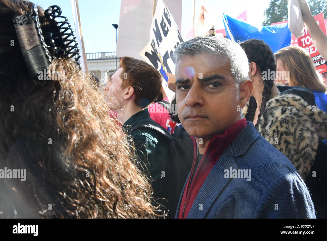 London, UK. 20th October 2018. Mayor of London,Sadiq Khan join Thousands assembly at Park lane march to Parliament Square.  March for the Future - People's Vote and March for a Final Say - Brexit Deal Referendum Campaign on 20 October 2018. Credit: Picture Capital/Alamy Live News Stock Photo