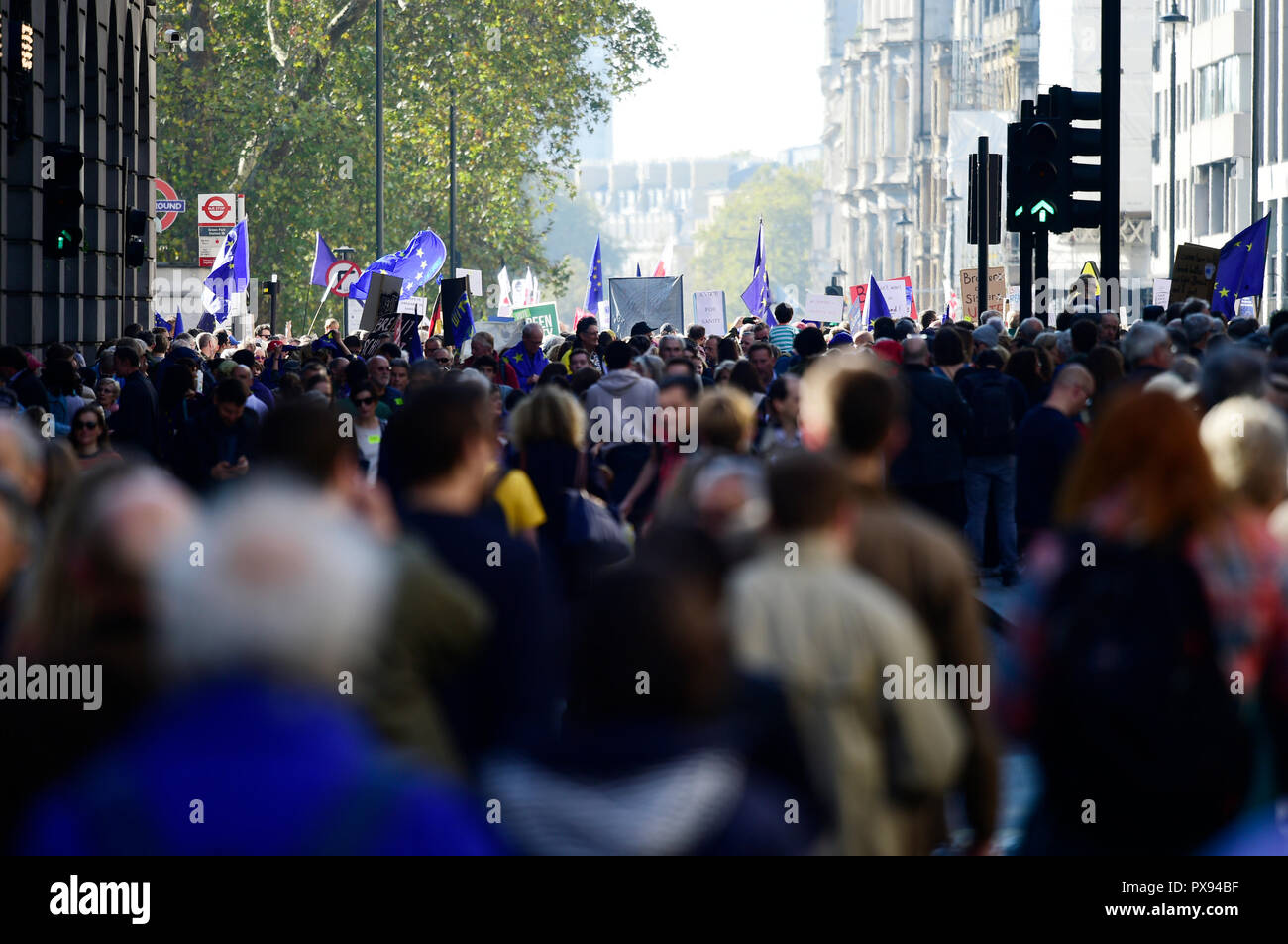 London, UK. 20 October, 2018. The People's Vote March takes place in central London, from Park Lane at midday to Parliament Square, attracting huge crowds of anti-Brexit activists demanding another referendum the final Brexit deal. Credit: Malcolm Park/Alamy Live News. - Stock Image