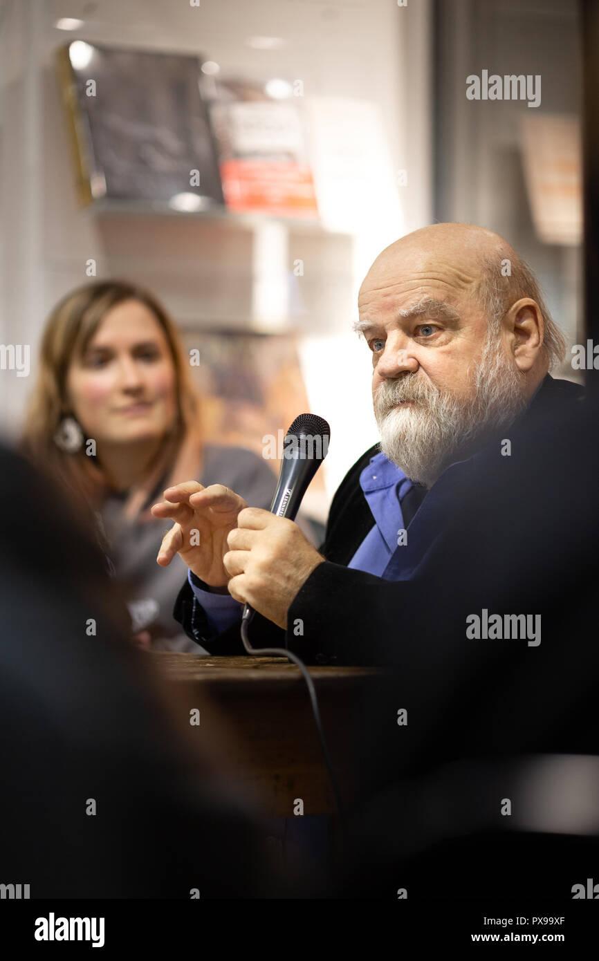 Causerie avec Serge Bouchard, anthropologue, autour de son livre 'L'œuvre du grand lièvre filou'. - Stock Image