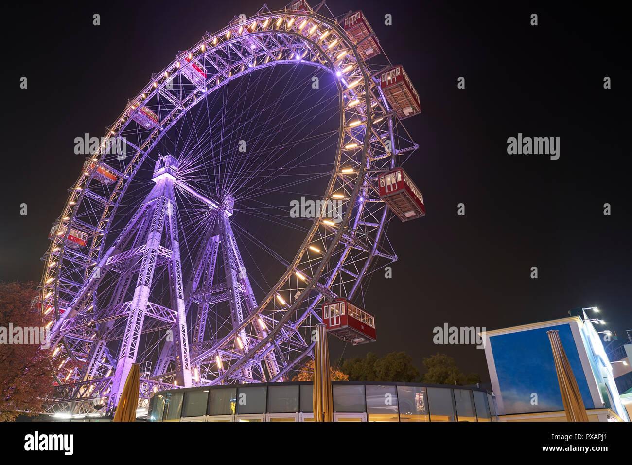 Wiener Riesenrad bei Nacht - Stock Image