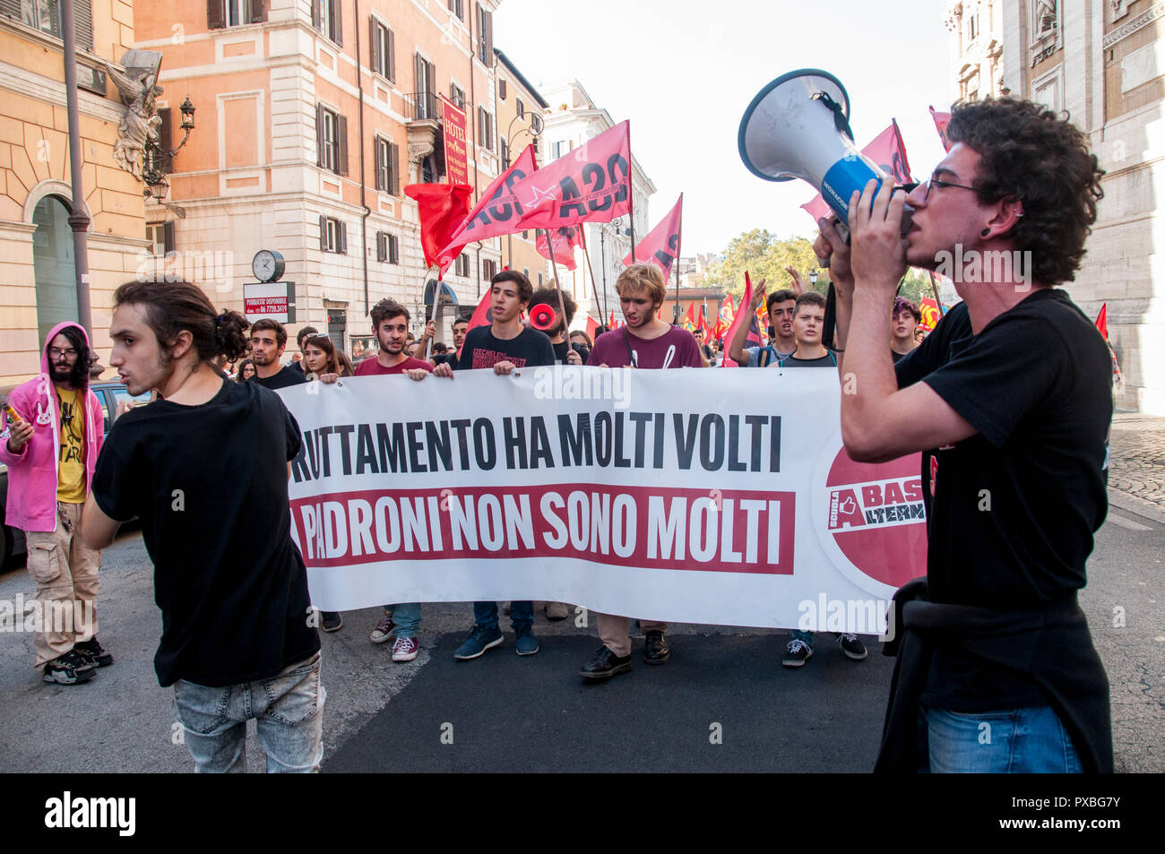 Rome, Italy. 20th Oct, 2018. Demonstration against privatization, for the nationalization of company services and strategic infrastructures in Italy Credit: Patrizia Cortellessa/Pacific Press/Alamy Live News Stock Photo