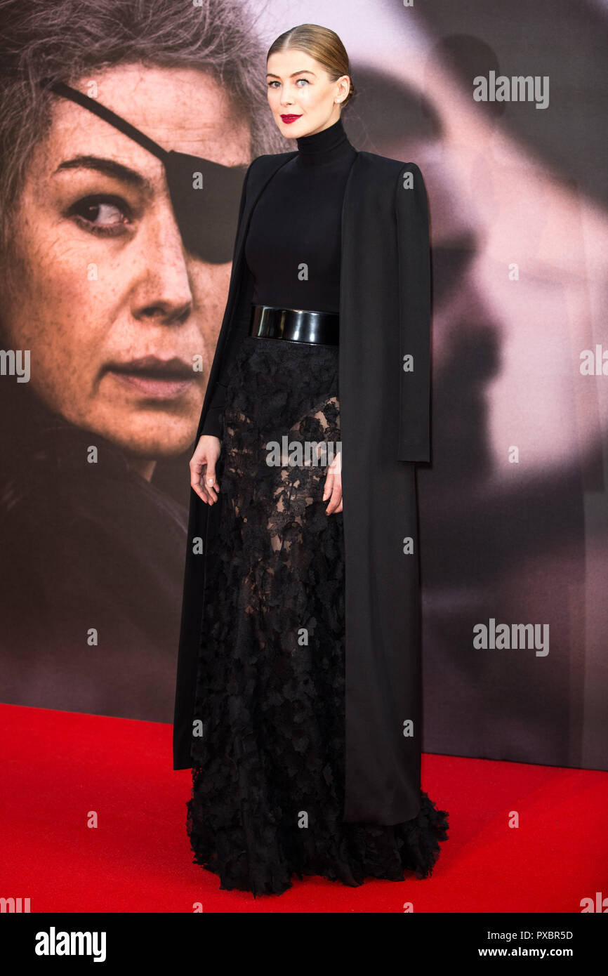 London, UK. 20th Oct, 2018. Rosamund Pike at A Private War Premiere at the BFI London Film Festival - The Mayor of London Gala on 20th October 2018 at Cineworld Leicester Square - London Credit: Tom Rose/Alamy Live News - Stock Image