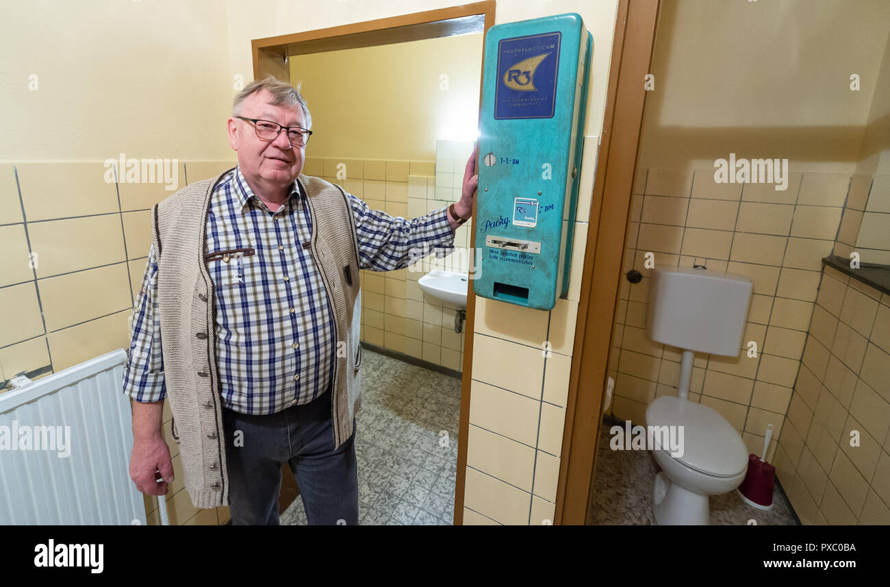 Pictures of old style condom machines