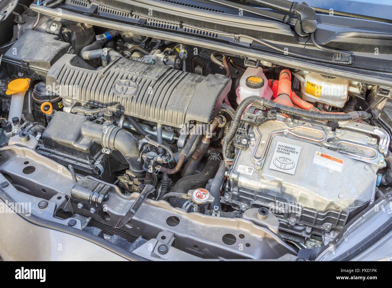toyota yaris hybrid engine bay power plant Stock Photo