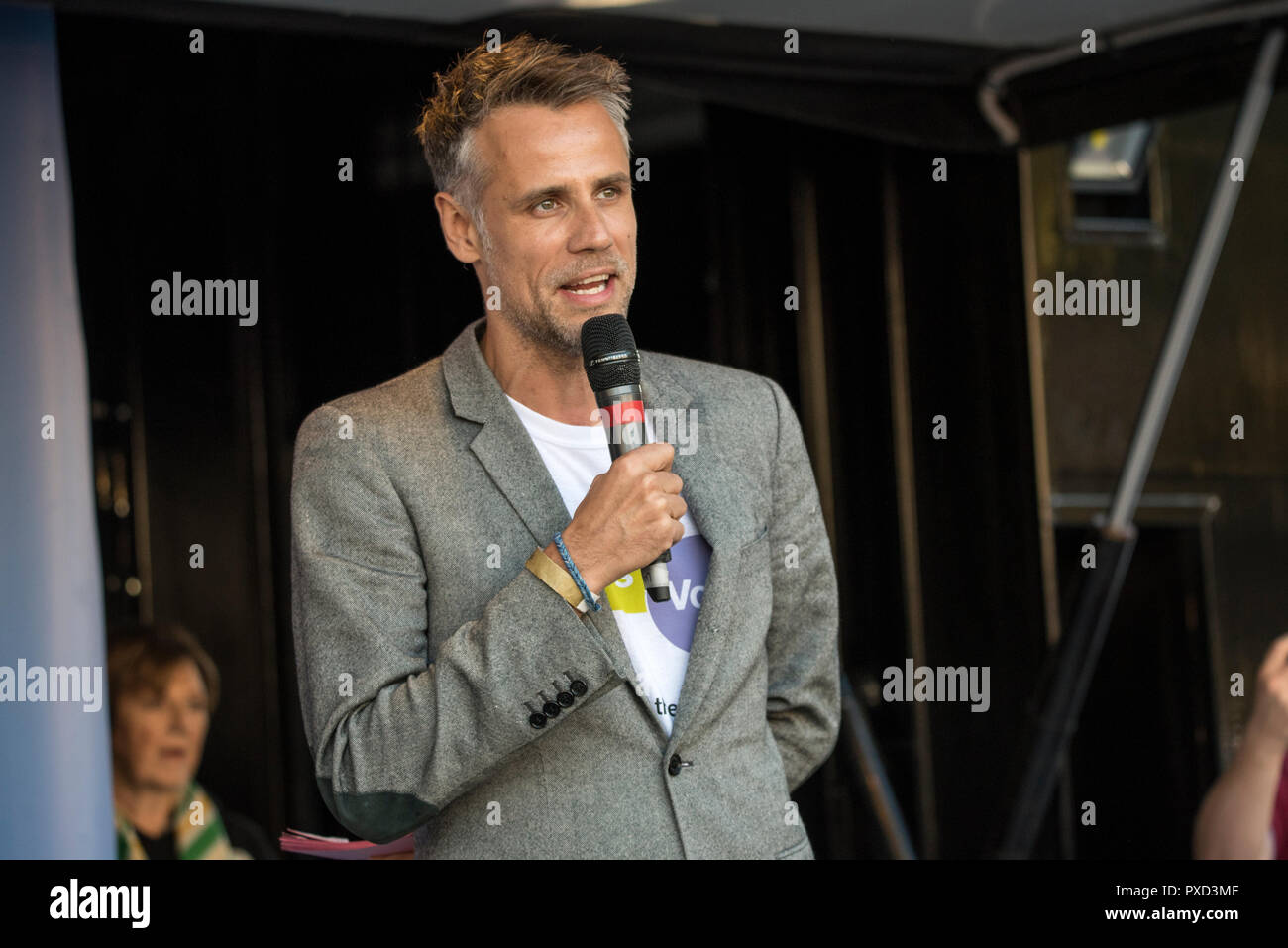 TV presenter Richard Bacon during the People's Vote march calling for a second Brexit referendum. - Stock Image