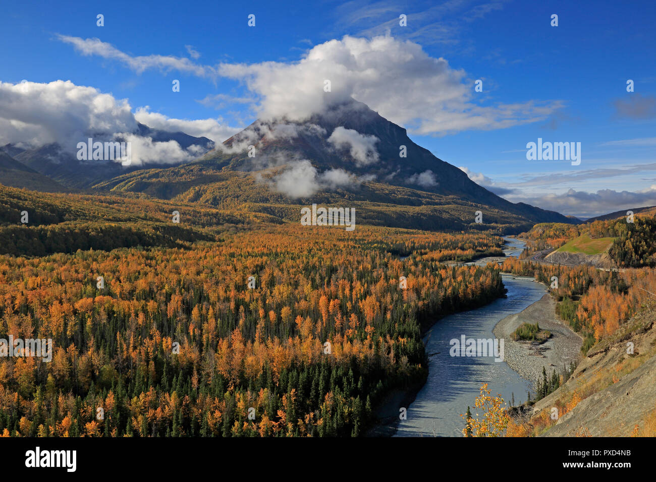 Chugach Mountains in the Fall from the Glenn Highway in Alaska - Stock Image