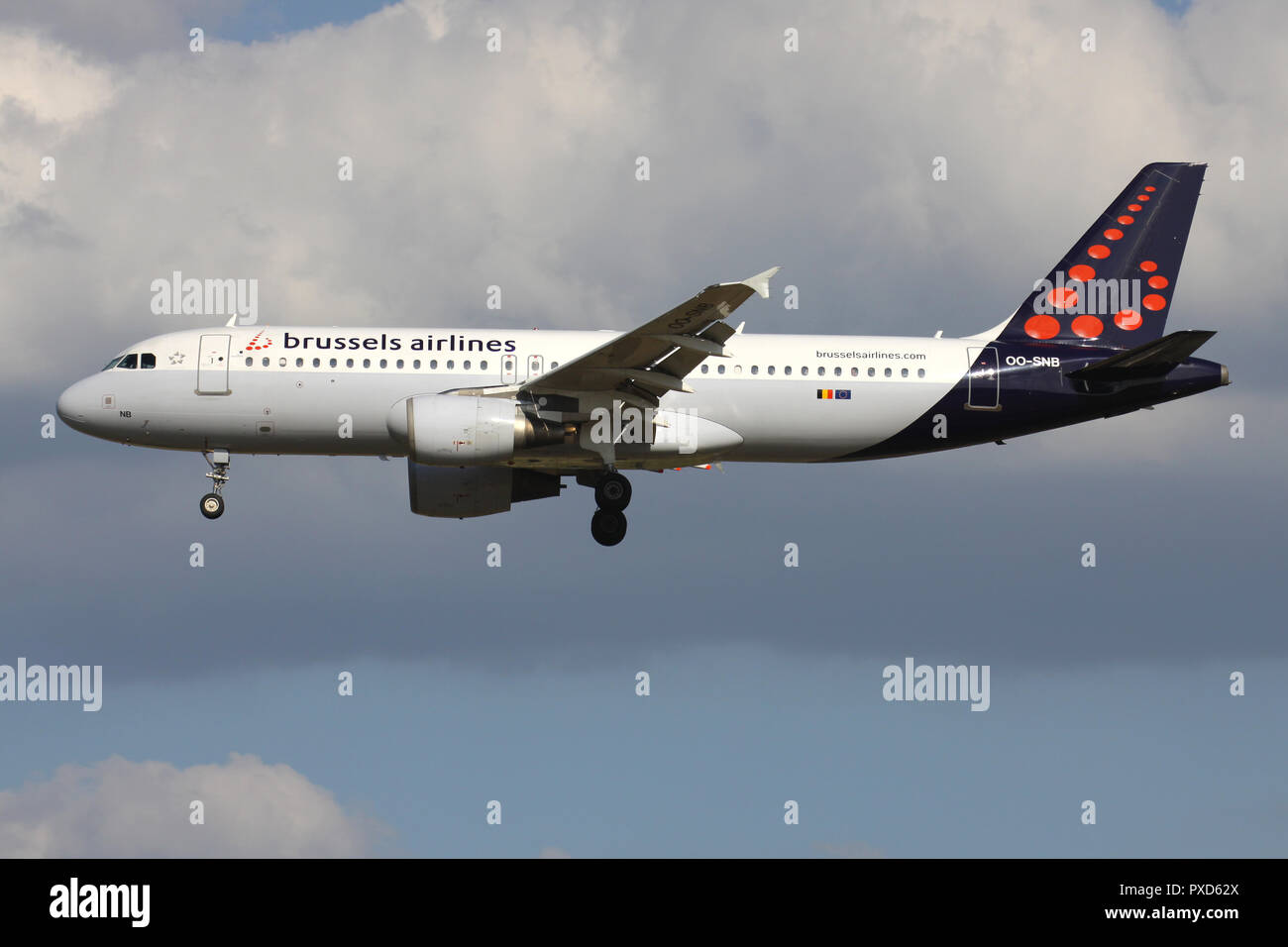 Belgian Brussels Airlines Airbus A320-200 with registration OO-SNB on short final for runway 01 of Brussels Airport. - Stock Image