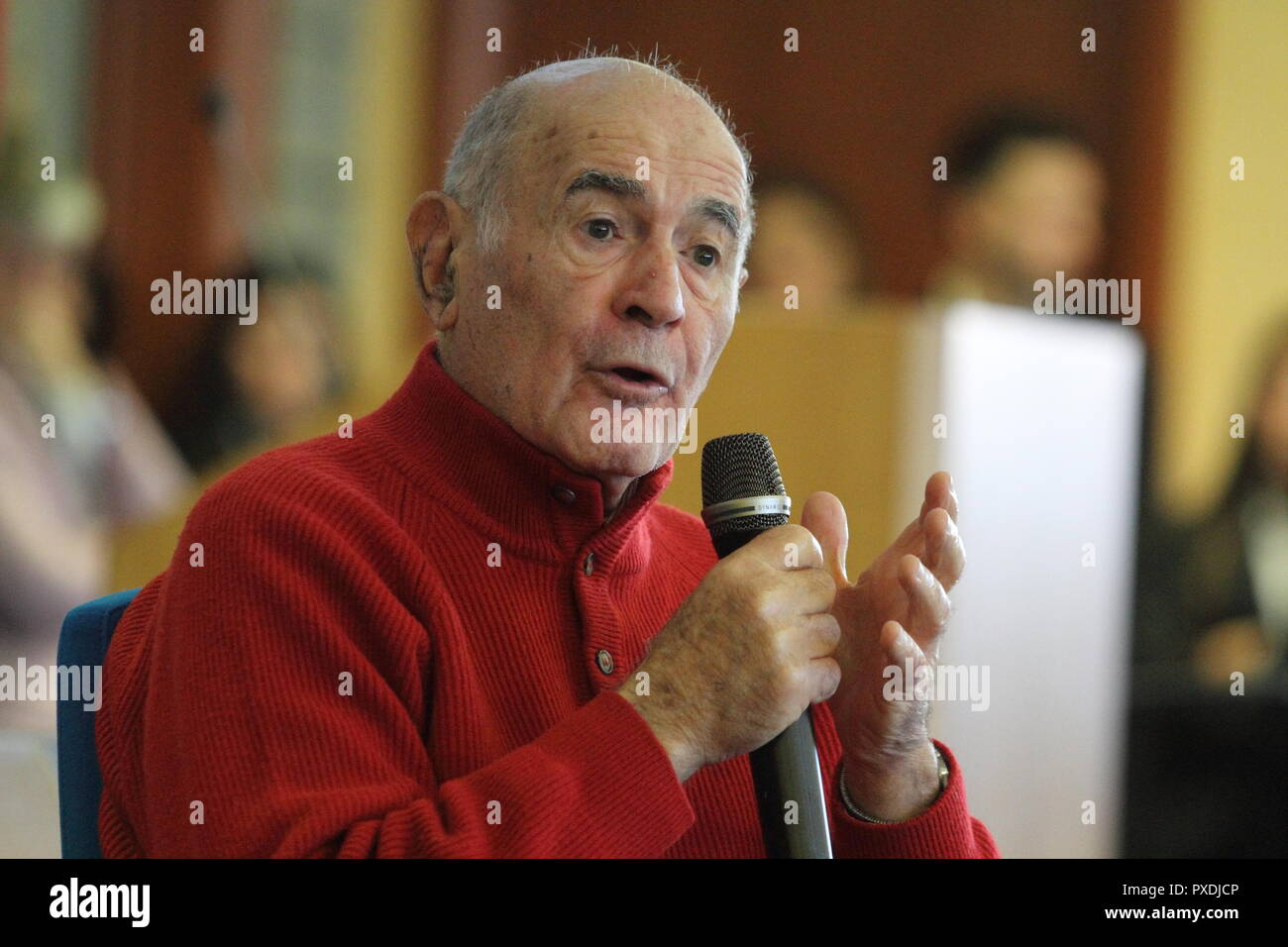 Cassino, Italy - 4 December 2017 - Sami Modiano, survivor of the Holocaust, tells the experience of the concentration camps of Auschwitz and Birkenau - Stock Image