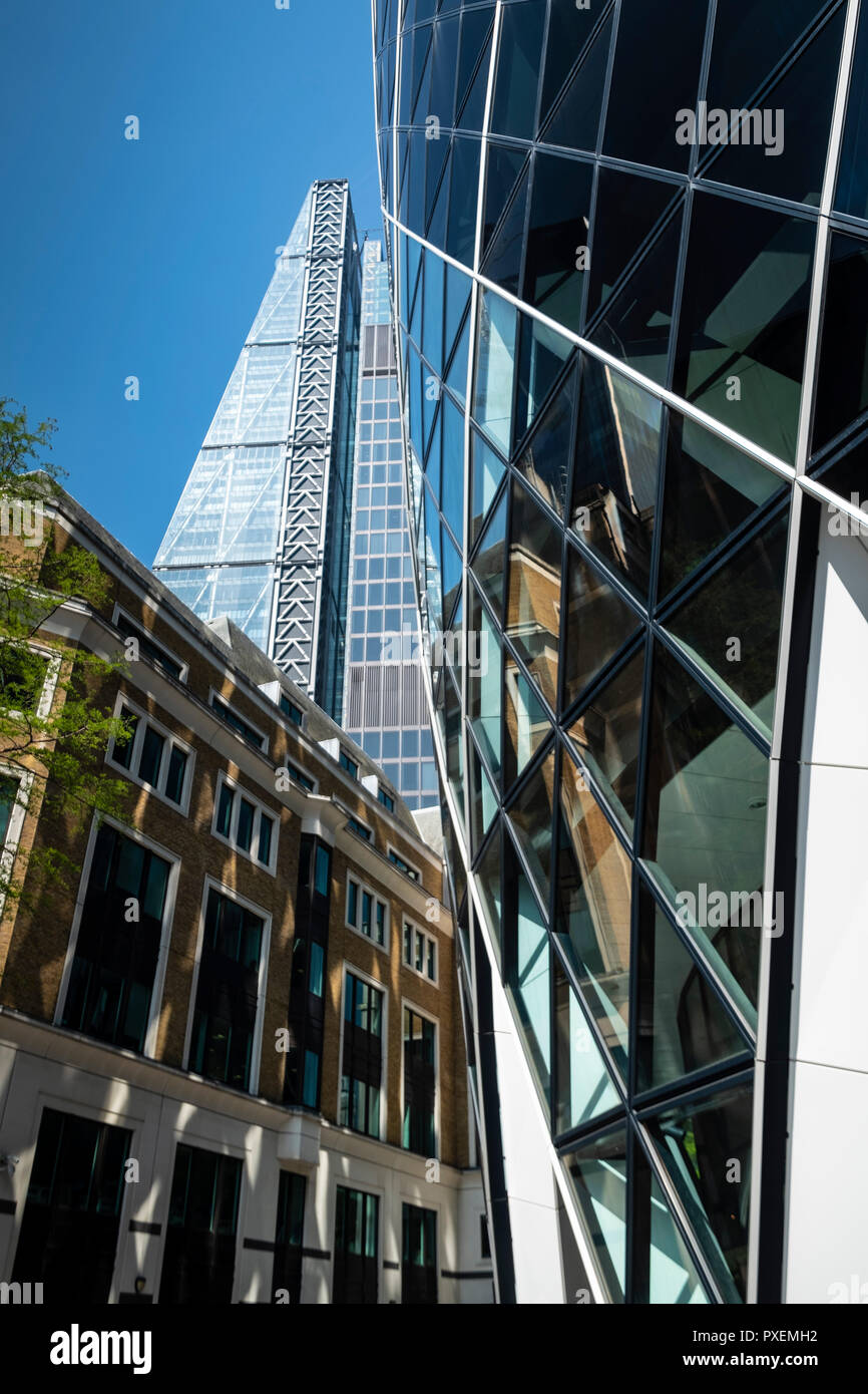 The Gherkin (30 St Mary Axe) / Swiss Re Building with the
