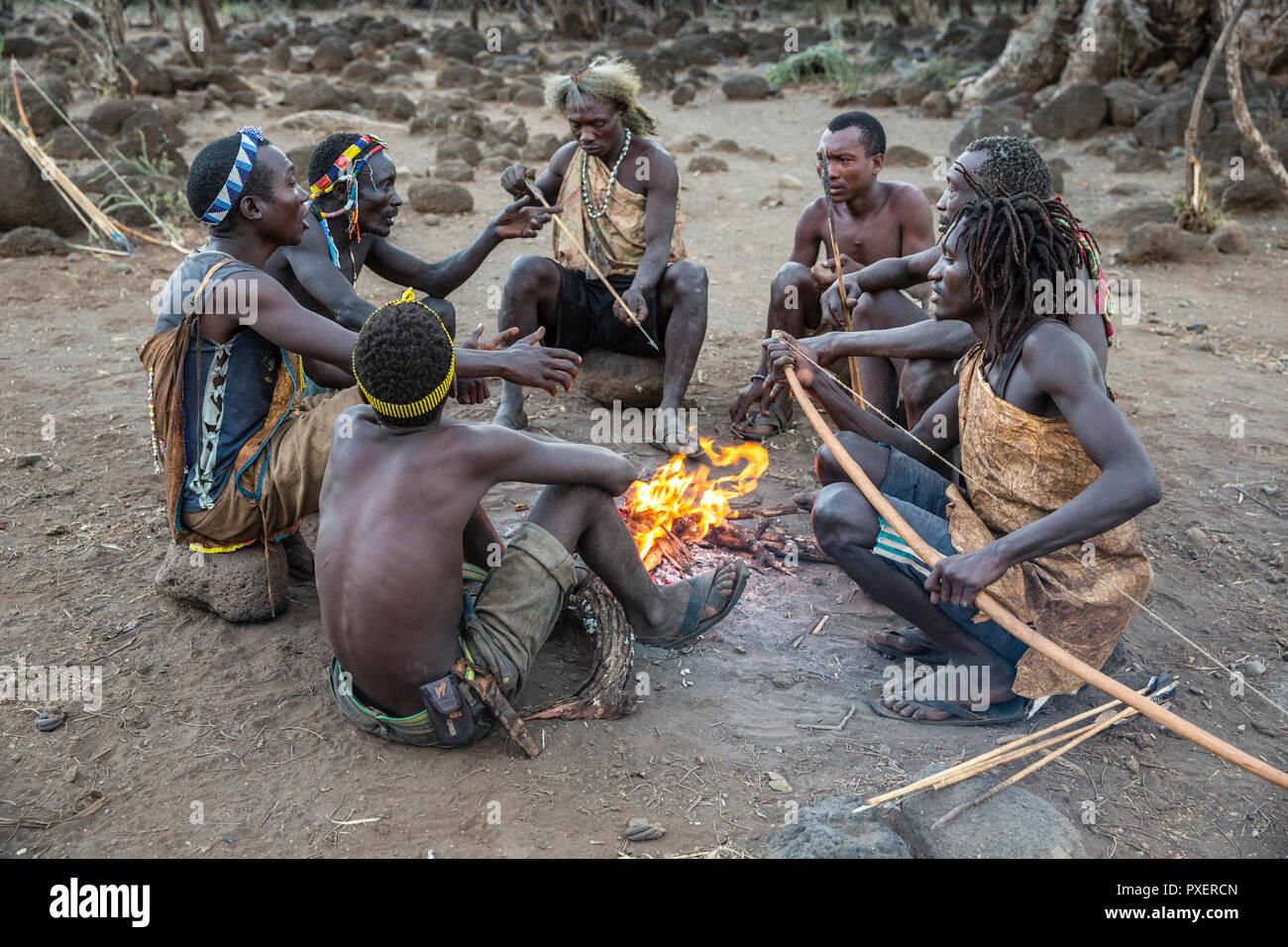 Hazda bushmen tribe at Lake Eyasi in Tanzania - Stock Image