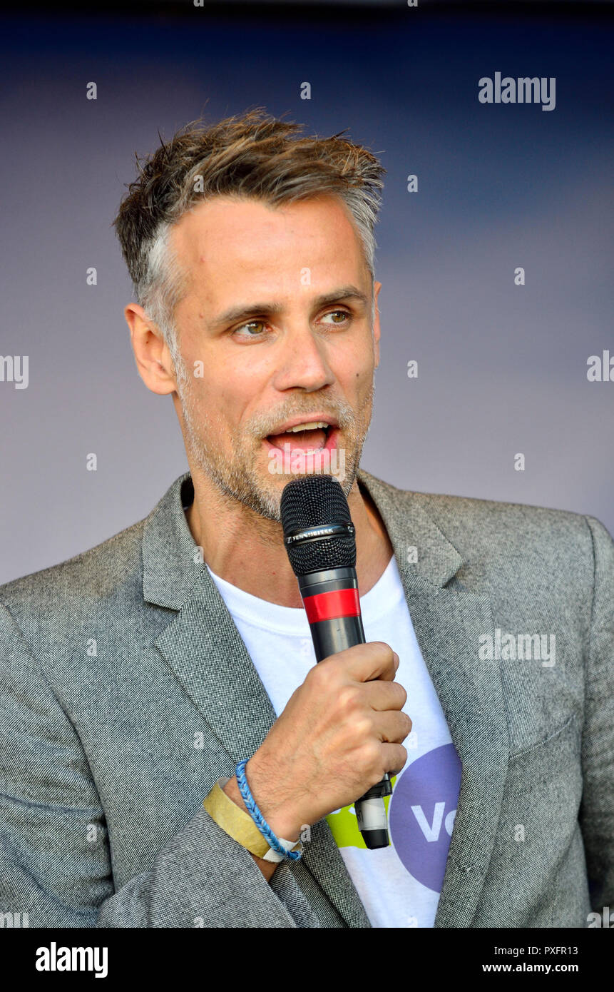 Richard Bacon acting as comperes at the People's Vote March in support of a second Brexit referendum, London, 20th October 2018 - Stock Image
