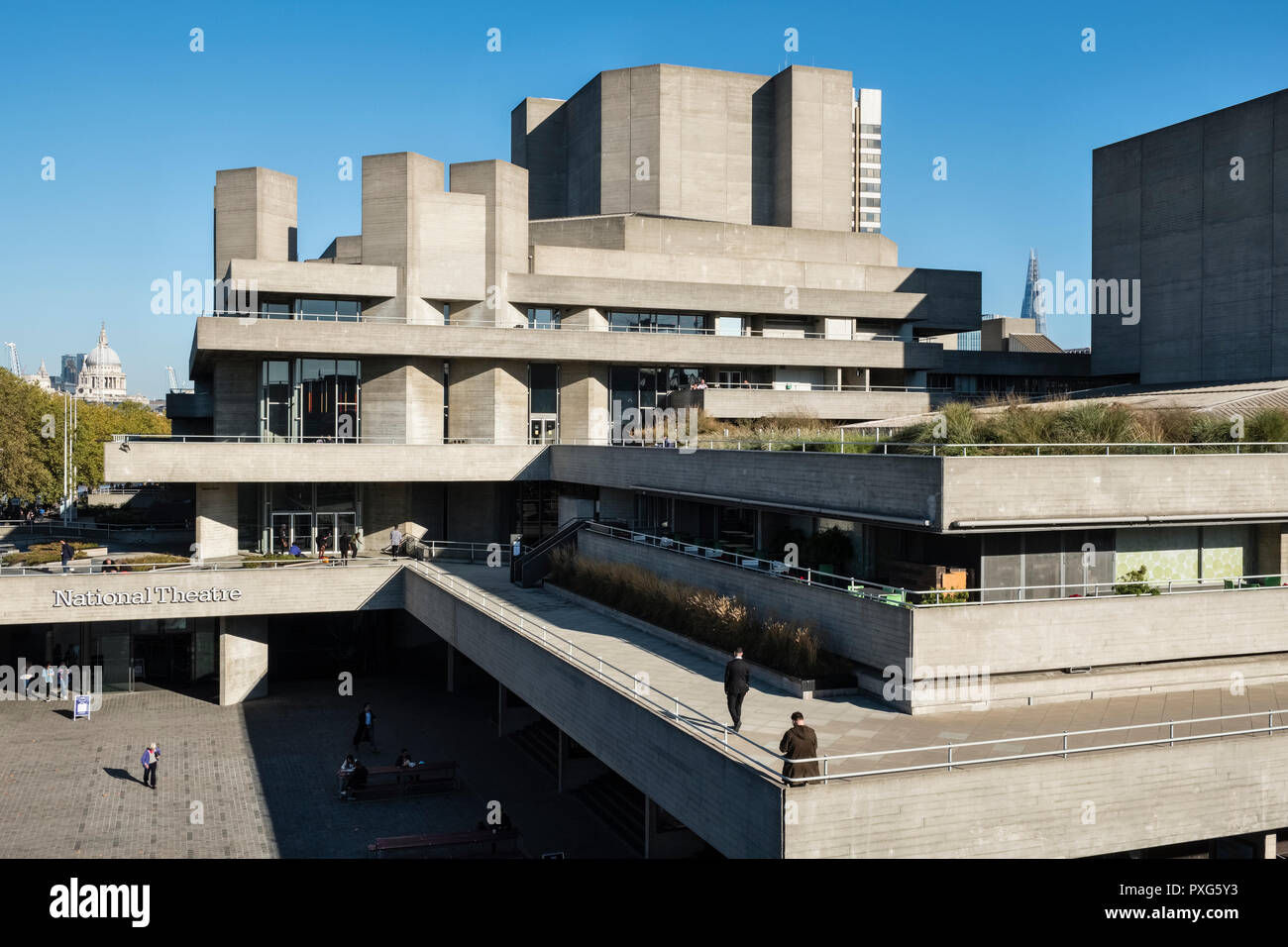 London, UK. The National Theatre, by the architect Denys Lasdun, opened in 1977 on the south bank of the River Thames beside Waterloo Bridge - Stock Image