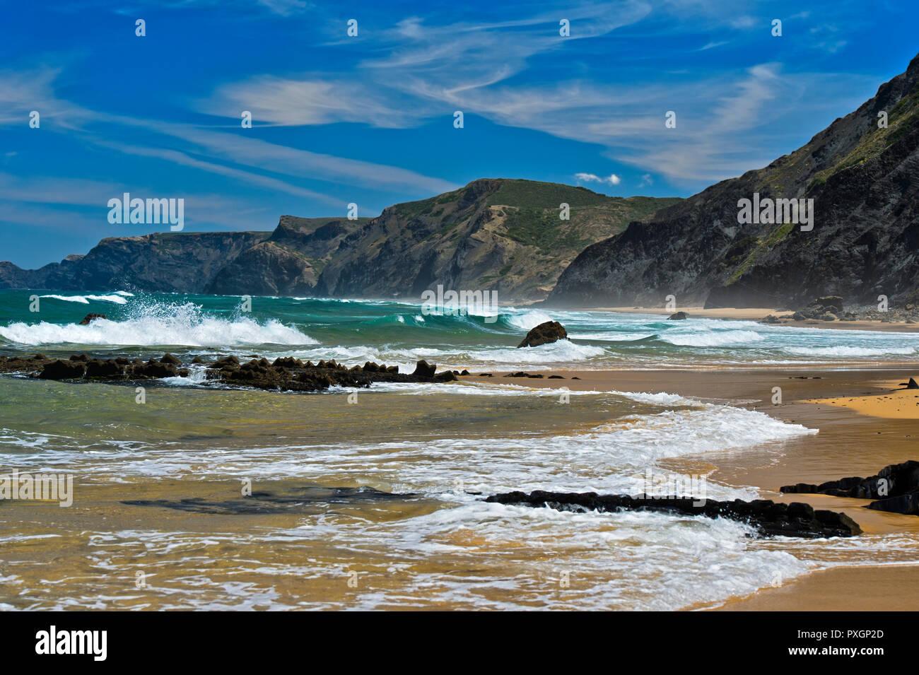 Breakers at the stormy Costa Vicentina coast, Vila do Bispo, Portugal - Stock Image