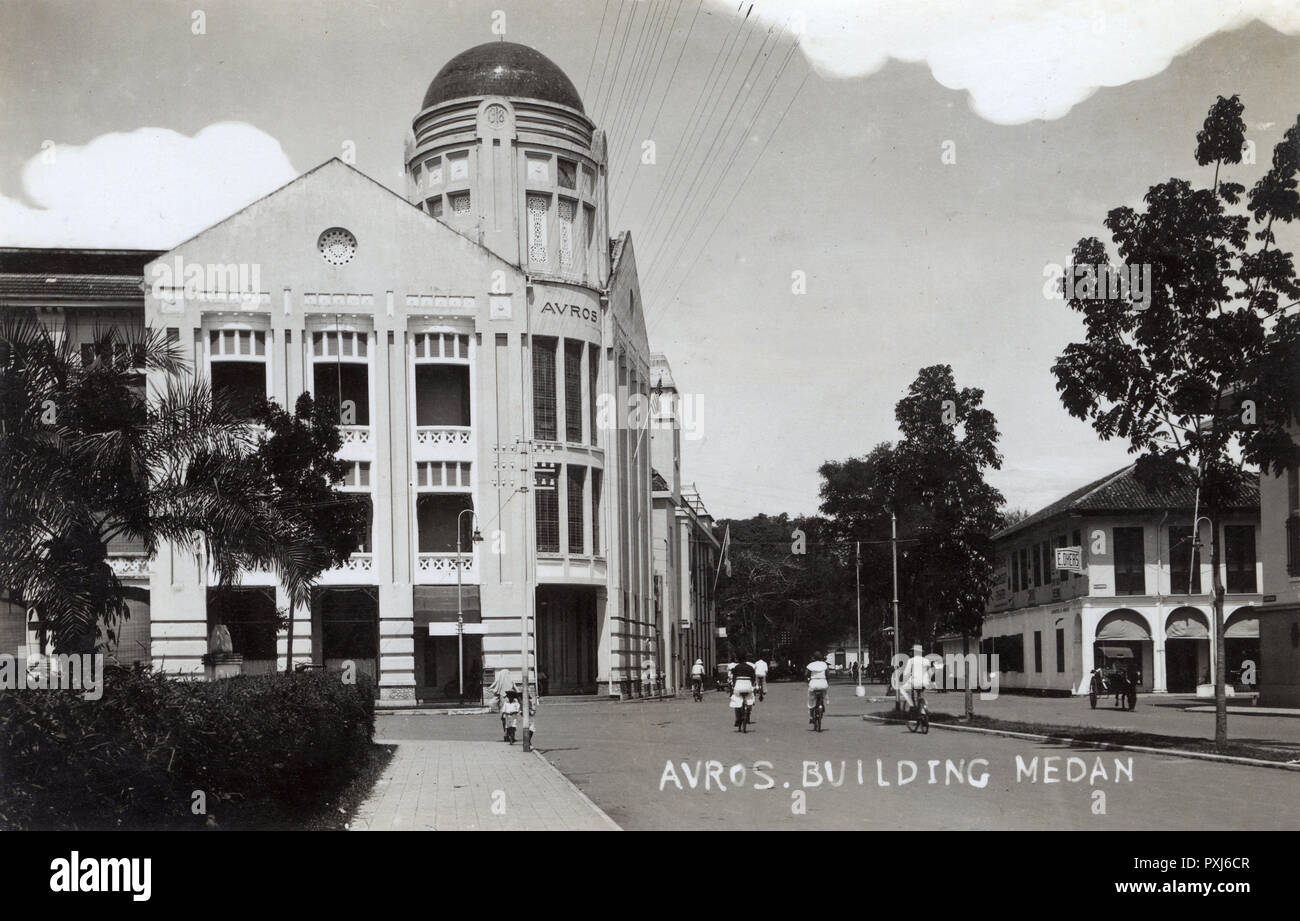 The Avros Building, Medan, the capital of Indonesias North Sumatra province on the East Coast. The General Association of Rubber Planters on the East Coast of Sumatra, (Algemeene Vereeniging van Rubberplanters ter Oostkust van Sumatra  or A.V.R.O.S.) - a Dutch agricultural research station organisation based near Medan in (what was then) the Dutch East Indies.     Date: 1934 Stock Photo