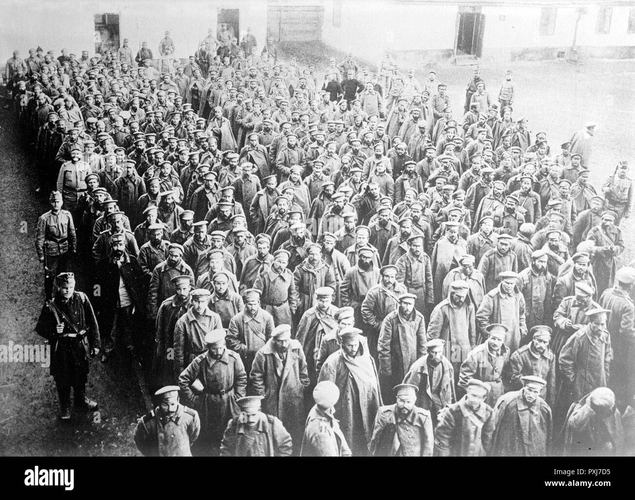 Russian prisoners in Przemysl, circa 1914 - 1915 Russian soldiers taken prisoner by the Austro-Hungarian army at Przemysl Fortress, Przemysl, Austro-Hungarian Empire, now in Poland during World War I - Stock Image