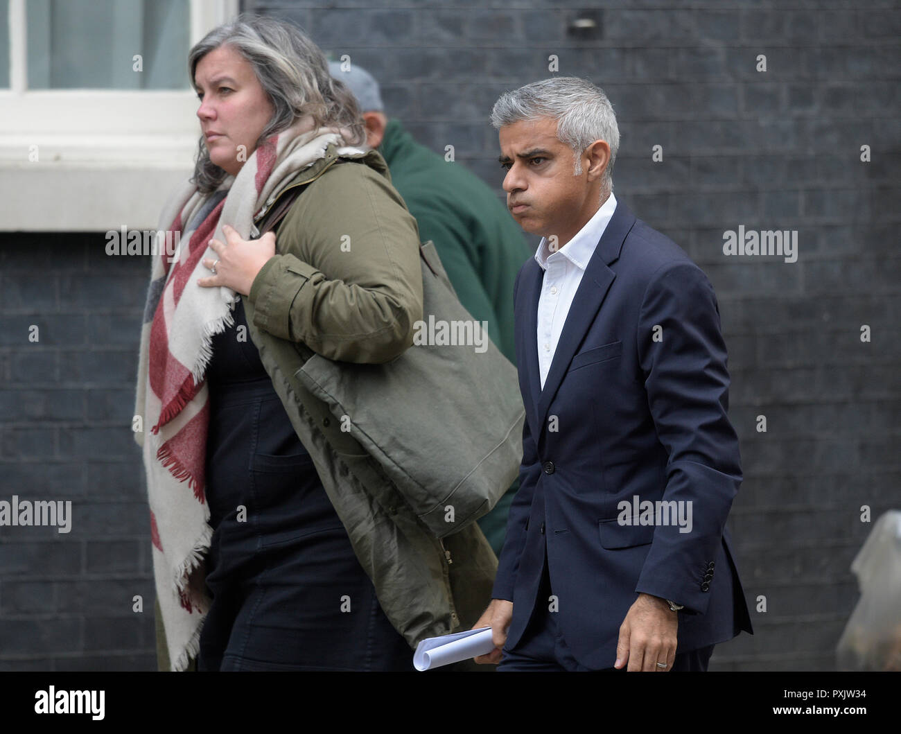 Downing Street, London, UK. 23 October 2018. London Mayor Sadiq Khan arrives for a meeting at 11 Downing Street during the long weekly cabinet meeting at No 10. Credit: Malcolm Park/Alamy Live News. - Stock Image