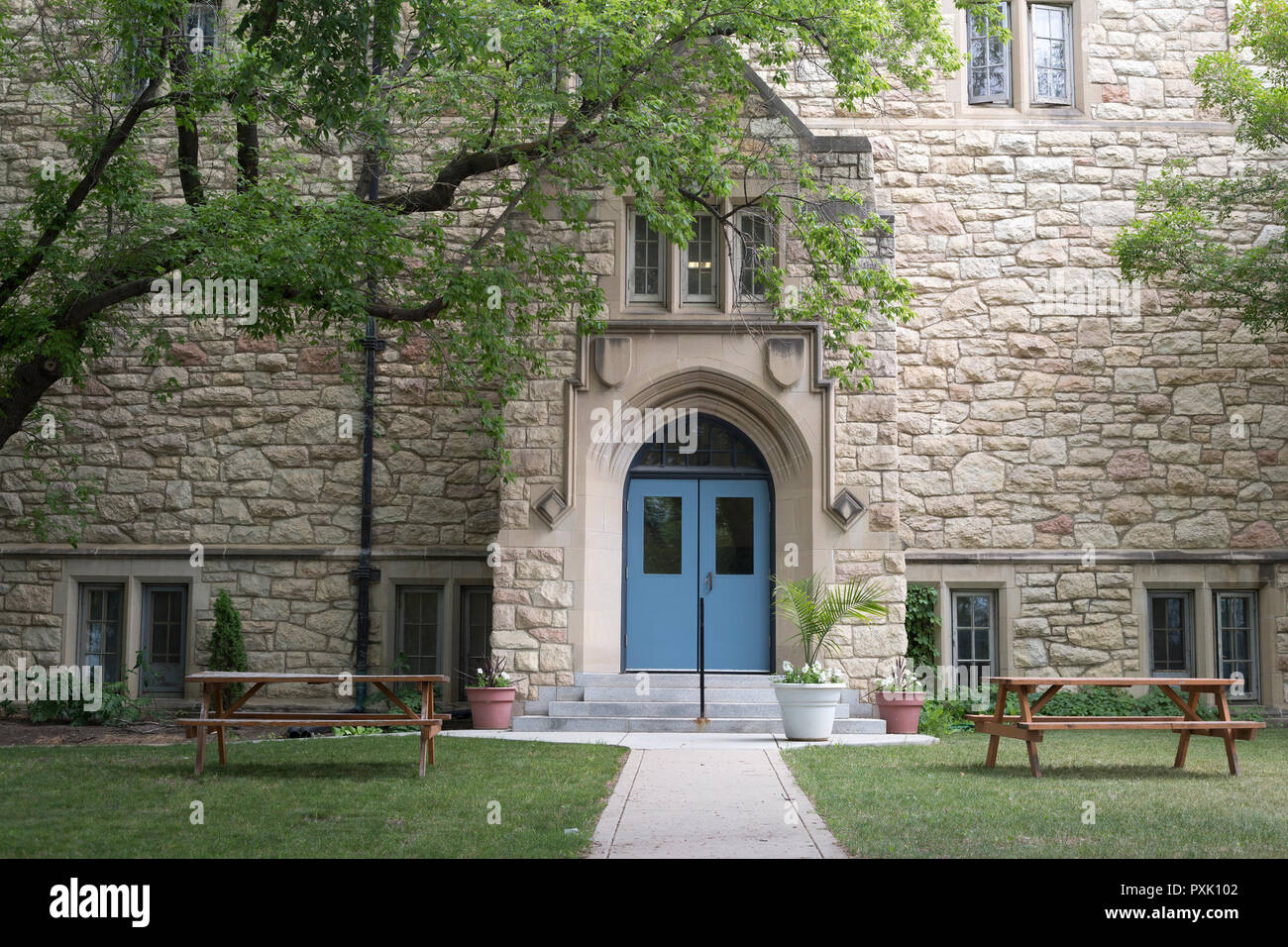 St. Andrew's College on University of Saskatchewan Campus, limestone building in Collegiate Gothic style - Stock Image