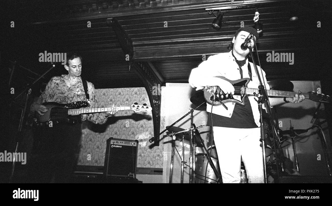 Dan Treacy and Jowe Head of post-punk band Television Personalities performing at Esquires, Bedford, UK, in 1990. - Stock Image