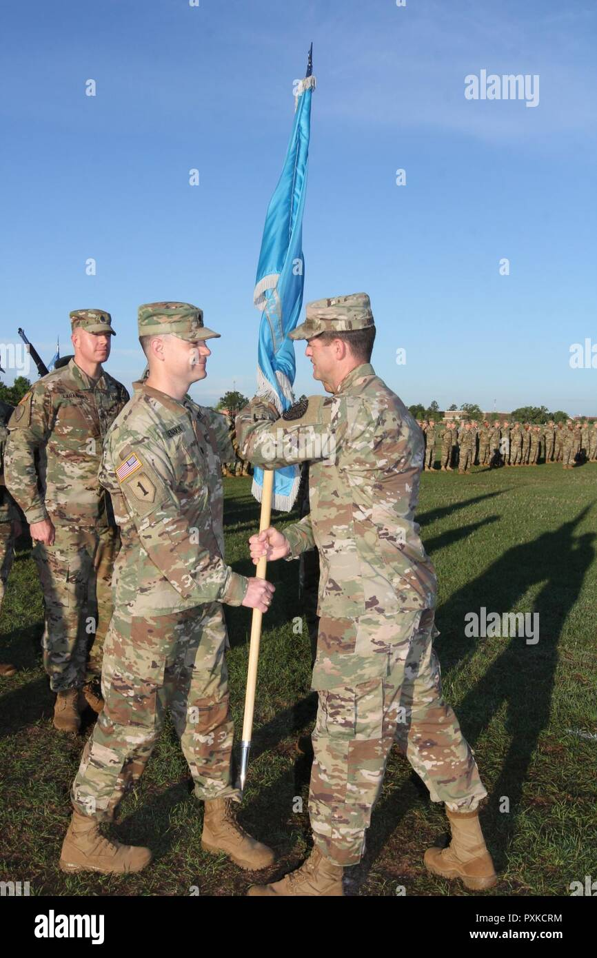 Fort Gordon Ga Lt Col Matt Lennox Commander Of The 782nd Military Intelligence Mi Battalion Officially Assumed Command When He Accepted The Battalion Colors From Col Dave Branch Commander Of The