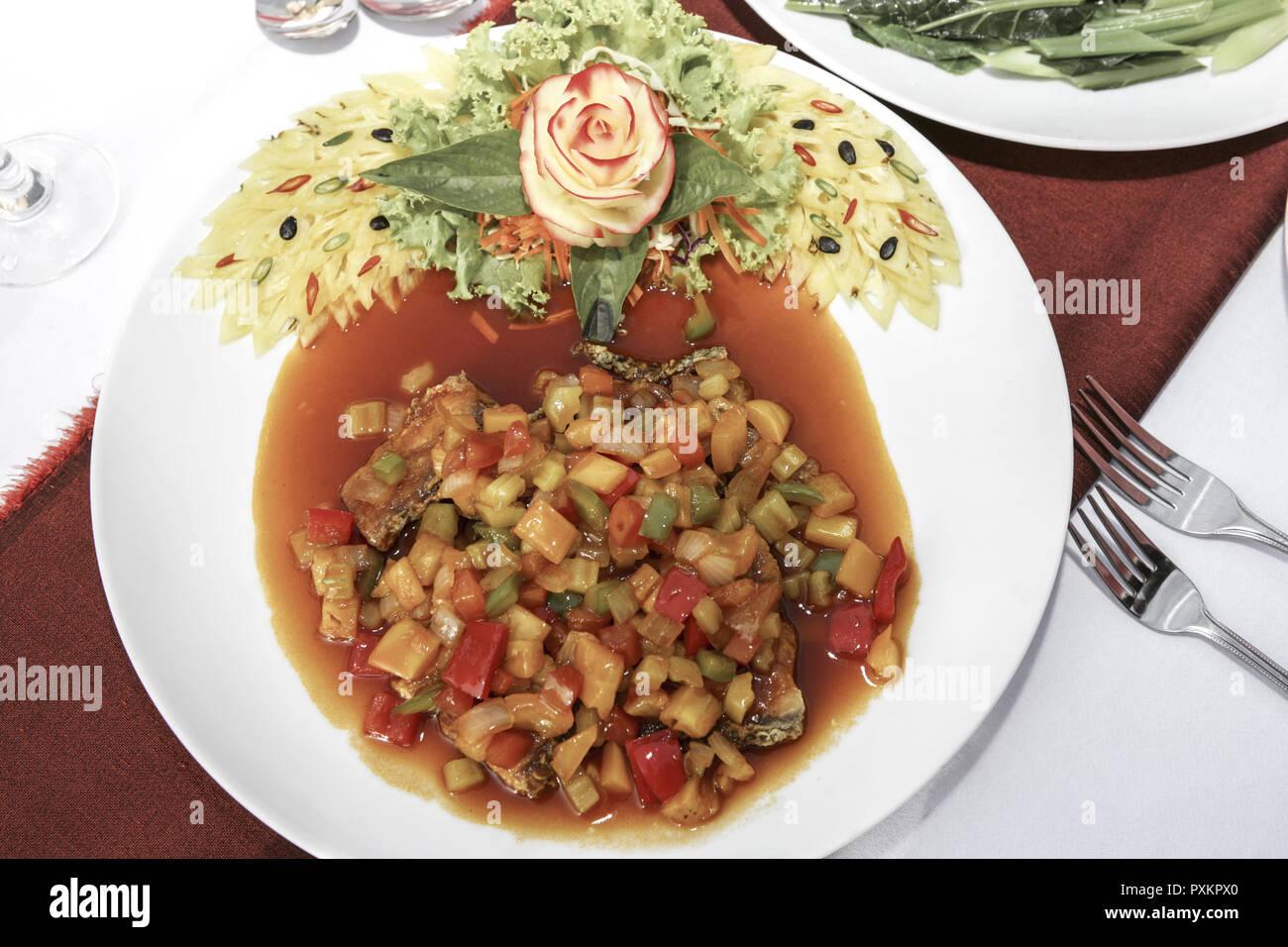 Asien Suedostasien Thailand Siam Krabi Railay Princess Ressort und Spa Detail Close-up Essen Spezialitaet Obst Gemuese Thai Thailaendisch Thaifood Sch - Stock Image