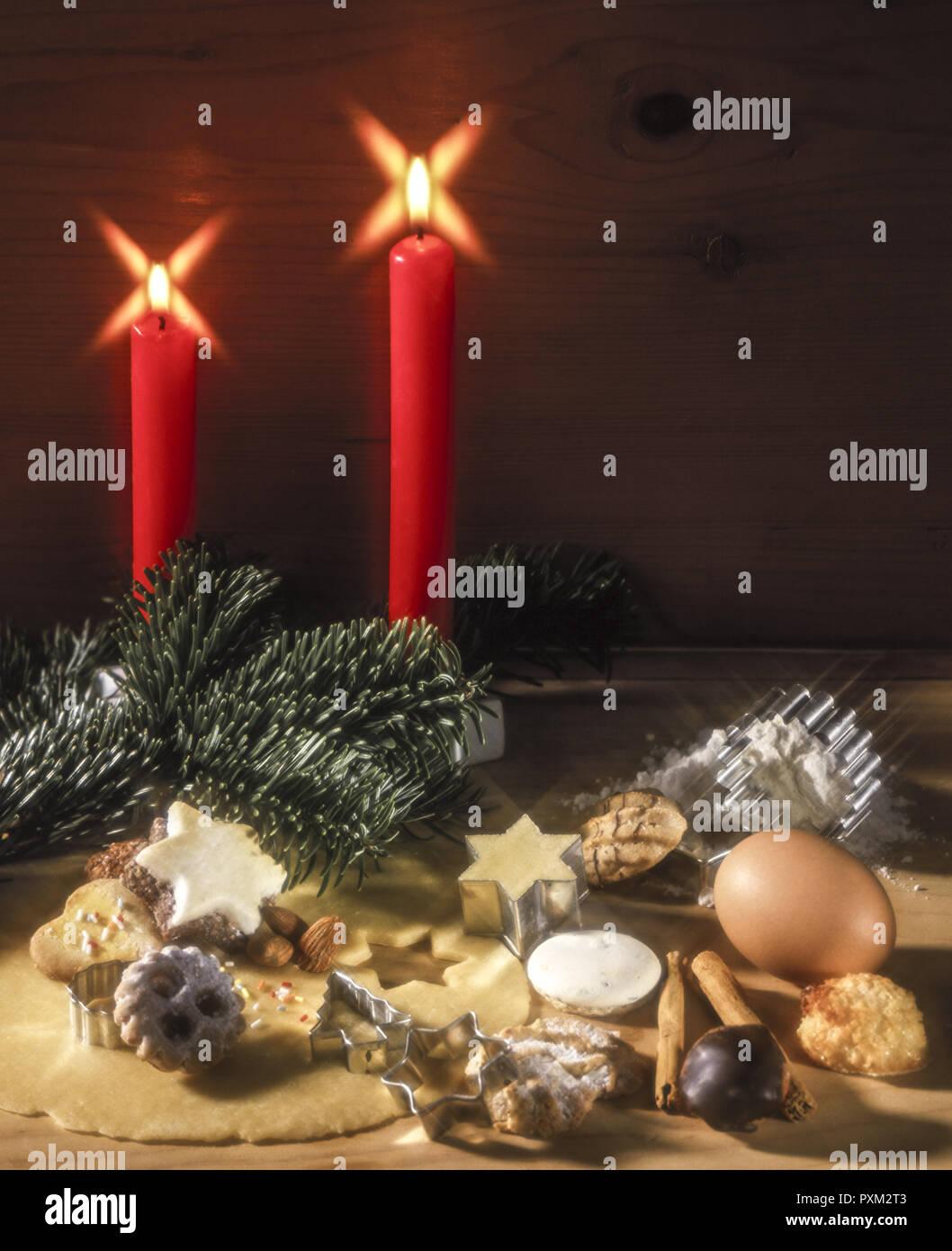 Weihnachtskekse Engelsaugen.Weihnachtsgebäck Weihnachtsplätzchen Stock Photo 222946755 Alamy