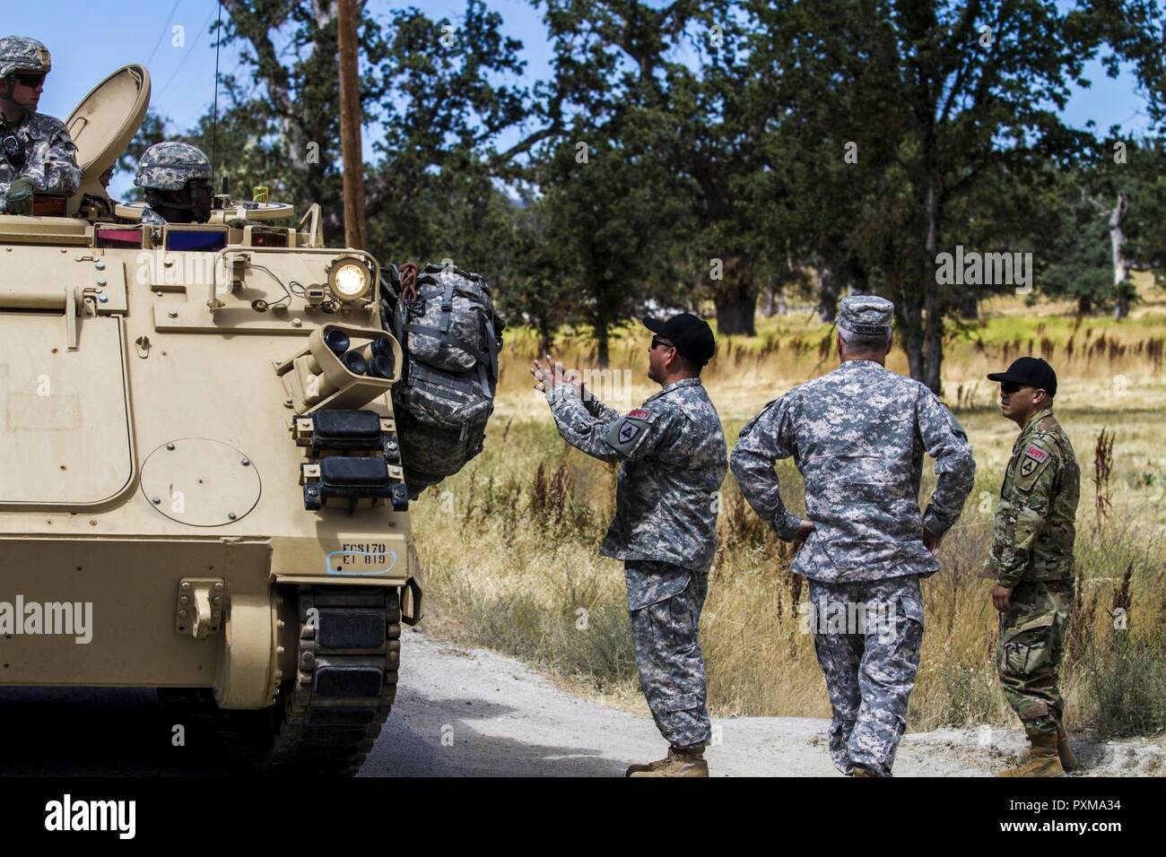 US Army Staff Sgt Javier Gallego Center 91st Training Division Safety Instructs Soldiers On Policies Of Using Blank Firing Adapters Their