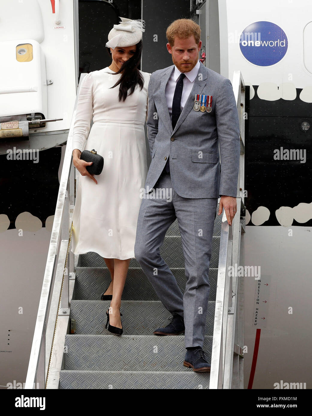 The Duke and Duchess of Sussexs flight dramatically aborts landing on approach