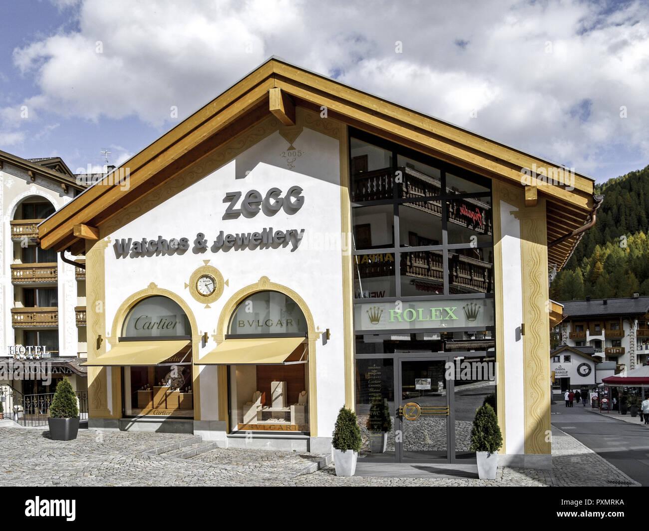 Schweiz, Graubuenden, Engadin, , Samnaun, Europa, Zollfreies, Gebiet, Zollfrei, Shopping, Einkaufen, Ausflugsziel, Sehenswuerdigkeit, Geschaeft, Juwel Stock Photo