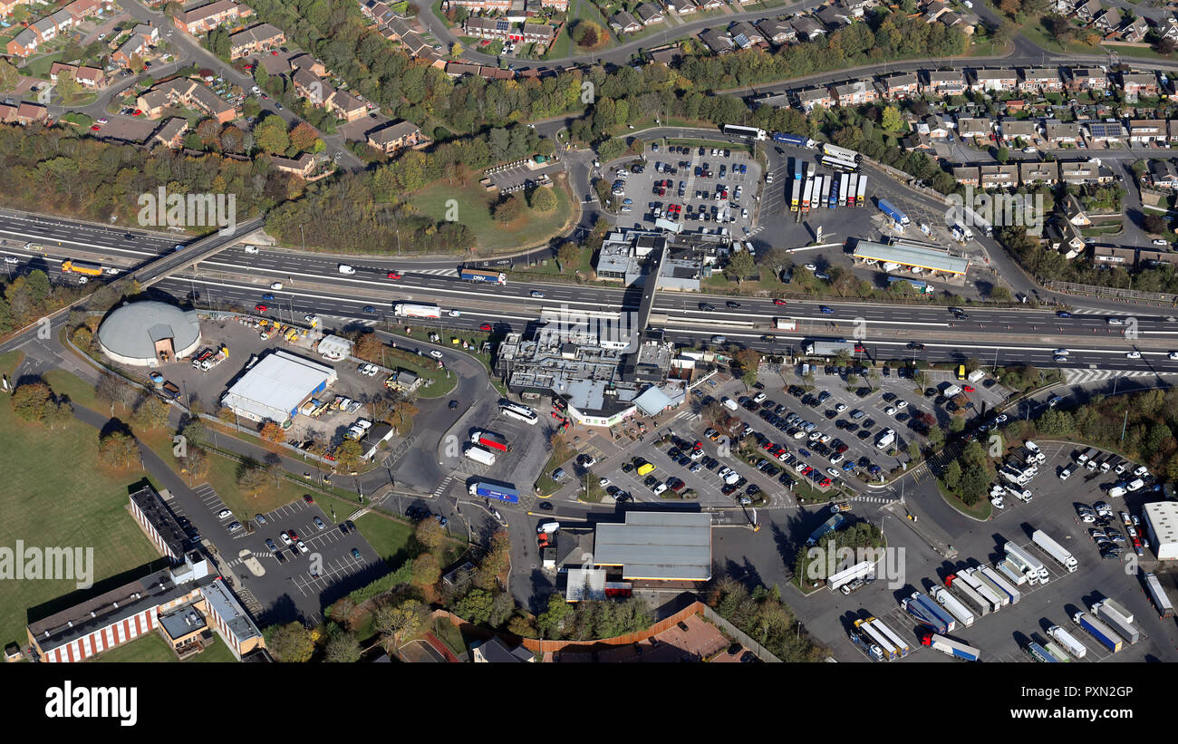 aerial view of Newport Pagnell Motorway Services Area, M1, Buckinghamshire - Stock Image