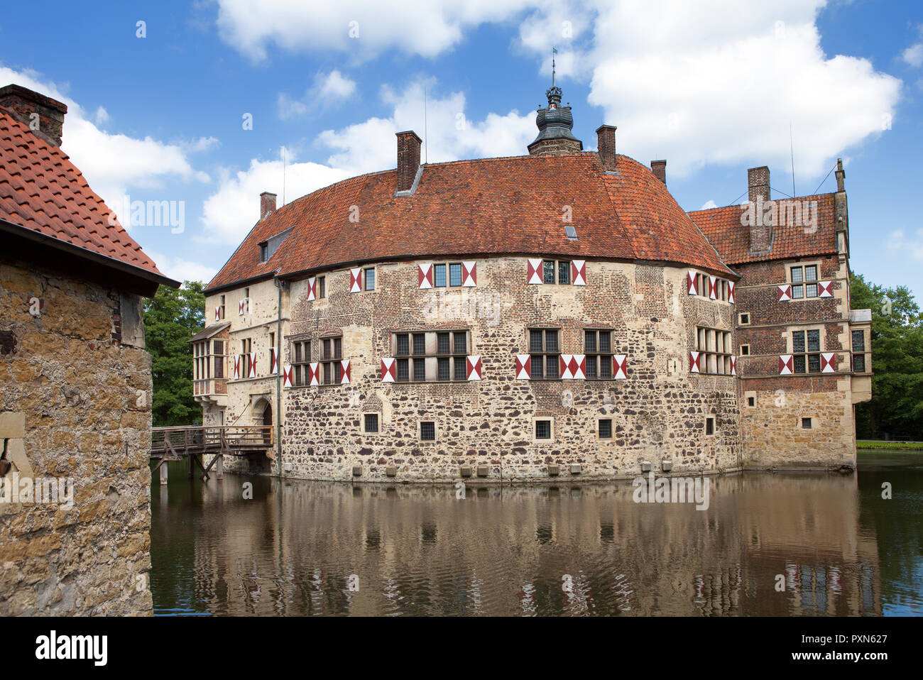 Vischering, moated castle, North Rhine-Westphalia, Germany; Europe - Stock Image