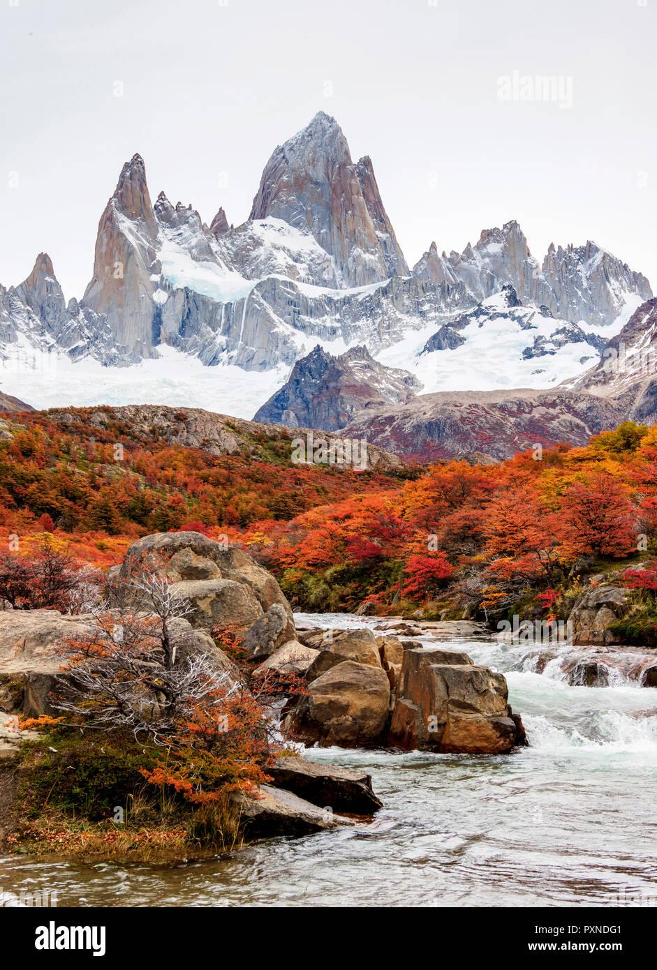 Arroyo del Salto and Mount Fitz Roy, Los Glaciares National Park, Santa Cruz Province, Patagonia, Argentina - Stock Image