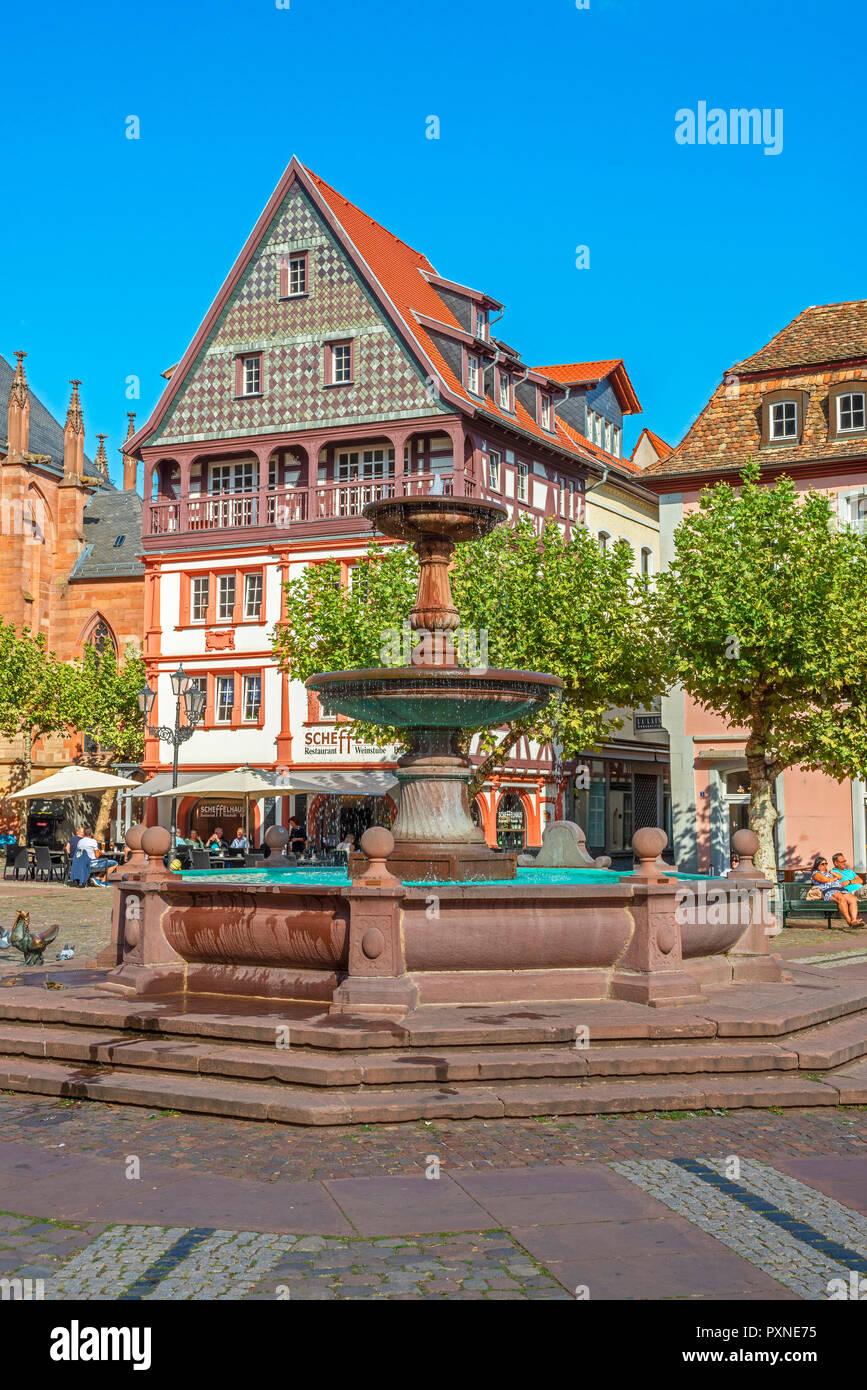 Fountain with Restaurant at Marktplatz, Neustadt an der Weinstraße, Deutsche Weinstraße, Rhineland-Palatinate, Germany Stock Photo