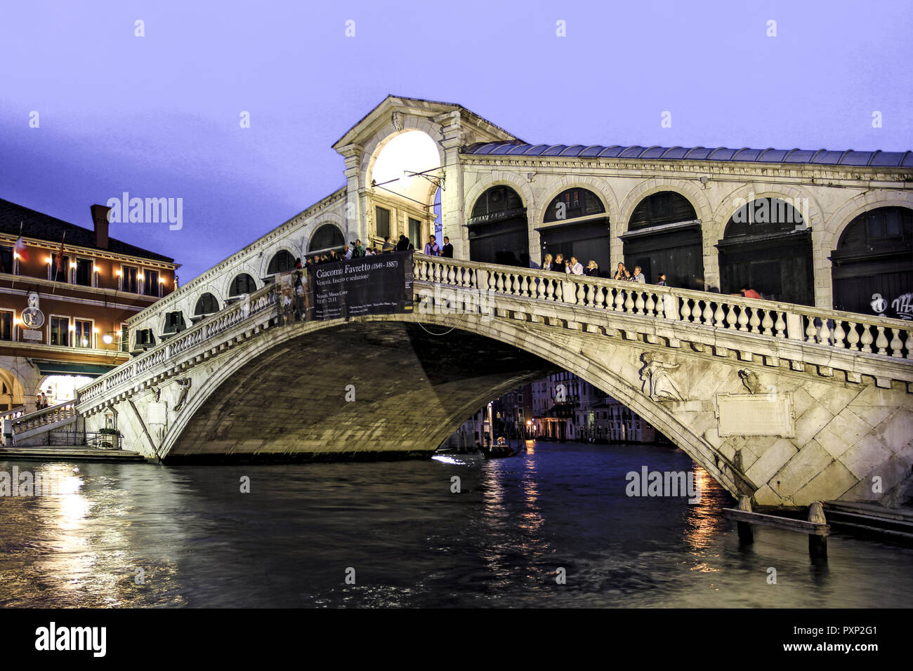 Canale Grande, Rialto Bruecke in Venedig, Italien Stock Photo
