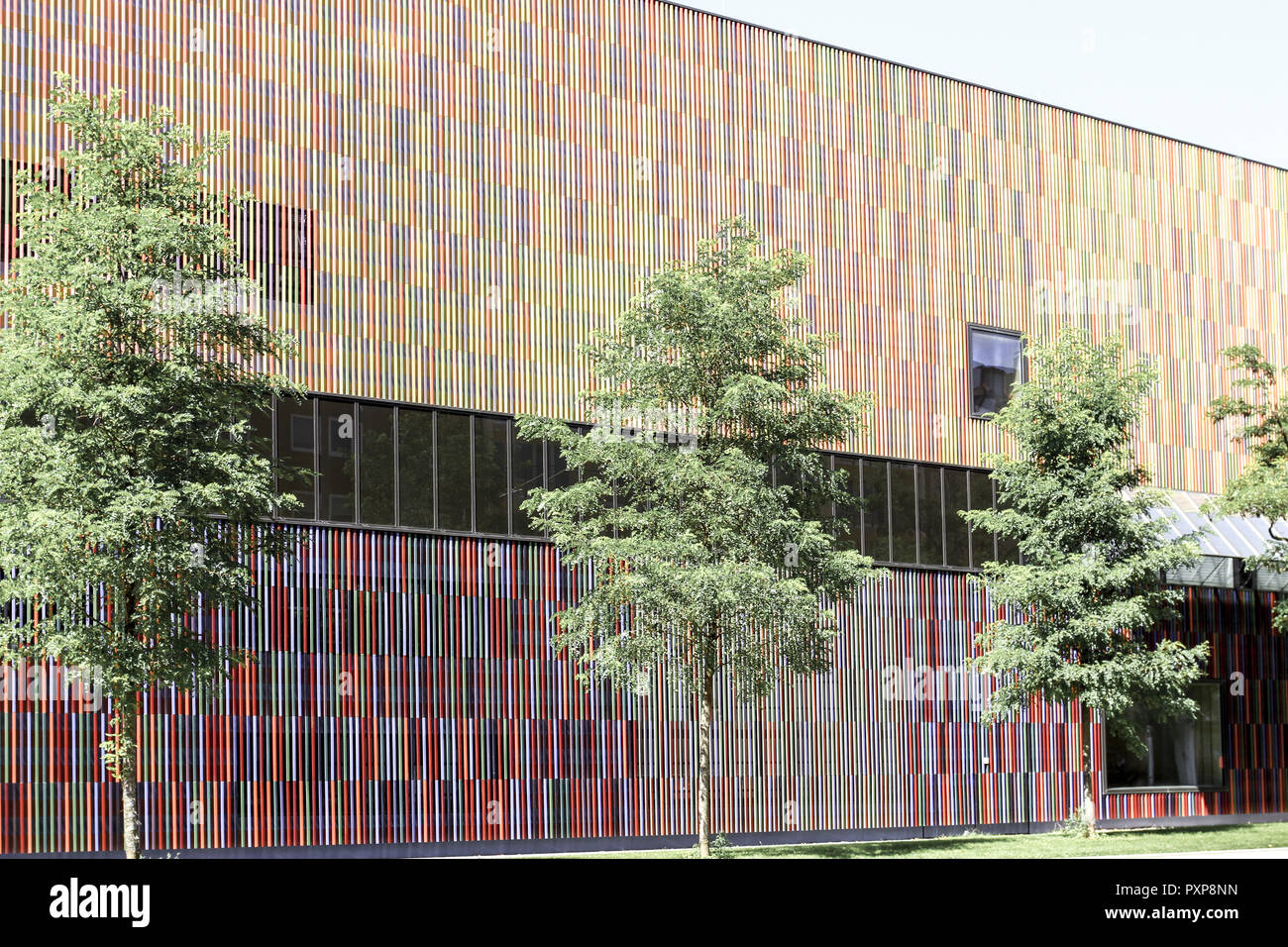36, 000 einzelne Keramikflächen, Architektenbüro Sauerbruch Hutton, Architektur, Aussenfassade, Bayern, Berliner Architekten Sauerbruch Hutton, Fassad - Stock Image