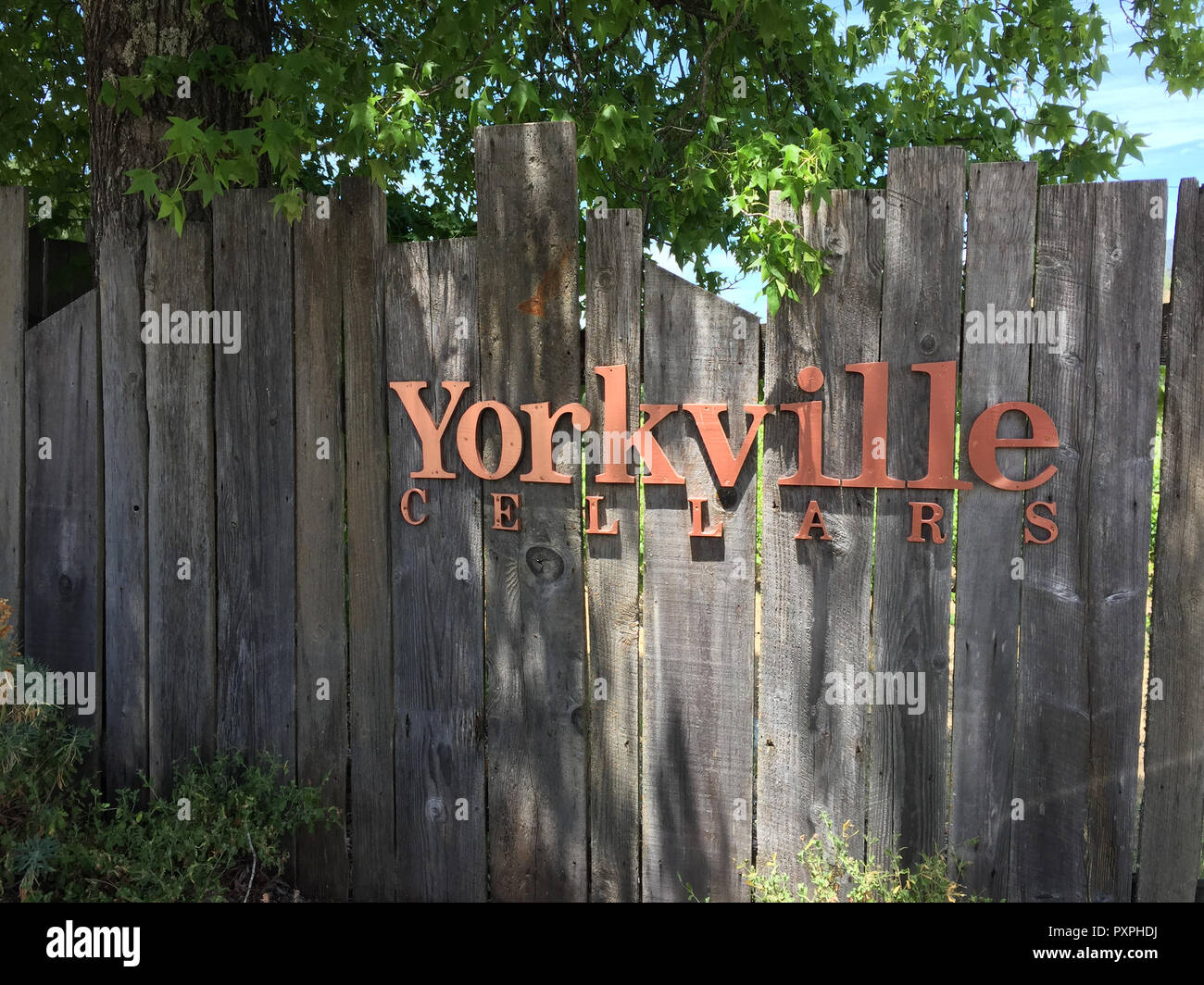 JULY 1 2018 - YORKVILLE, CALIFORNIA: Sign for the Yorkville Cellars, a winery in the Anderson Valley area of California on a sunny day - Stock Image