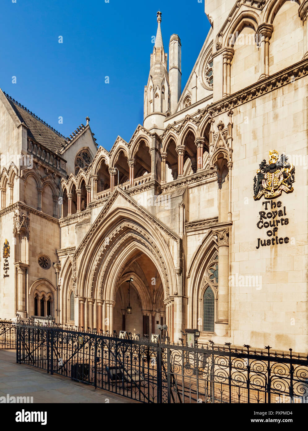 The Royal Courts of Justice, Strand, London. - Stock Image