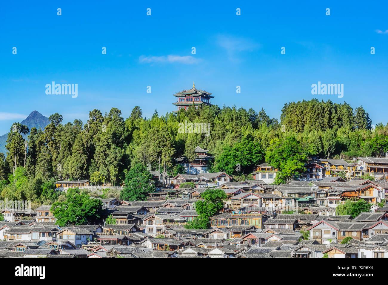 China, Yunnan, Lijiang, cityscape - Stock Image