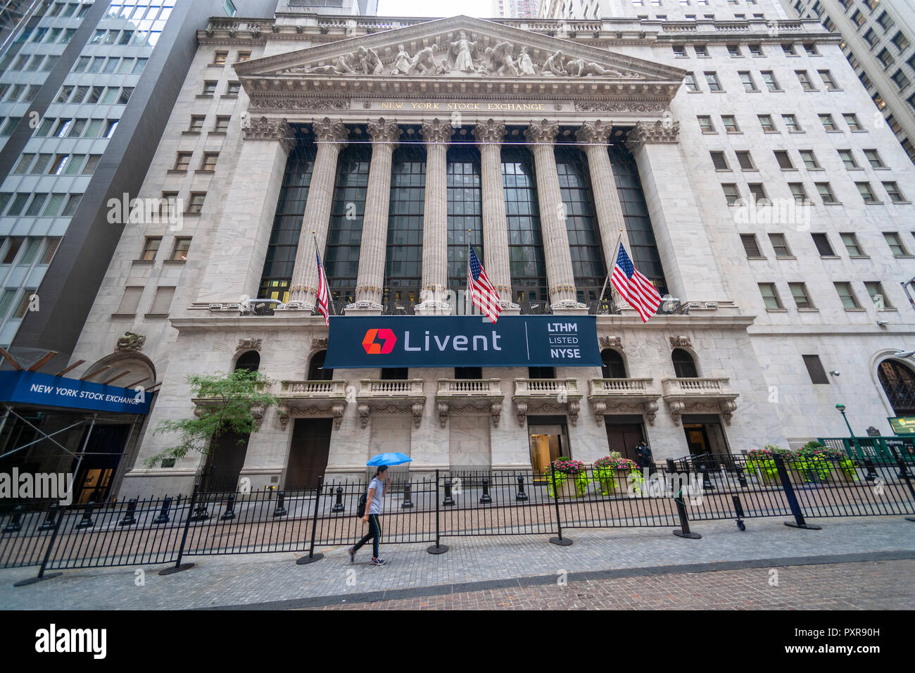 The New York Stock Exchange in Lower Manhattan in New York on Thursday, October 11, 2018 is decorated with a banner for the Livent initial public offering. Livent is a producer of the chemical lithium hence the listing 'LTHM' on the exchange. (© Richard B. Levine) - Stock Image