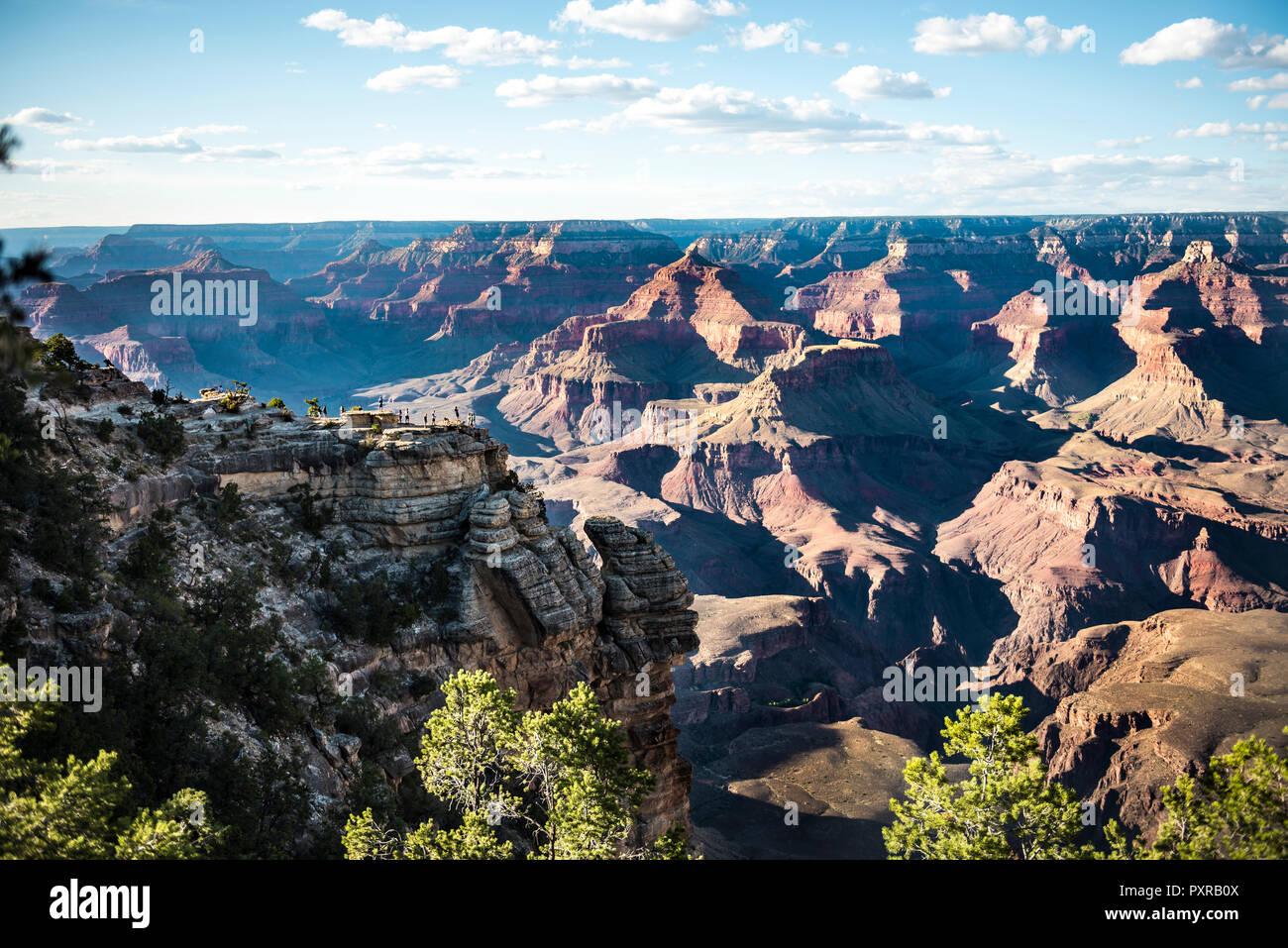 USA, Arizona, Grand Canyon National Park, Grand Canyon, people on viewpoint - Stock Image
