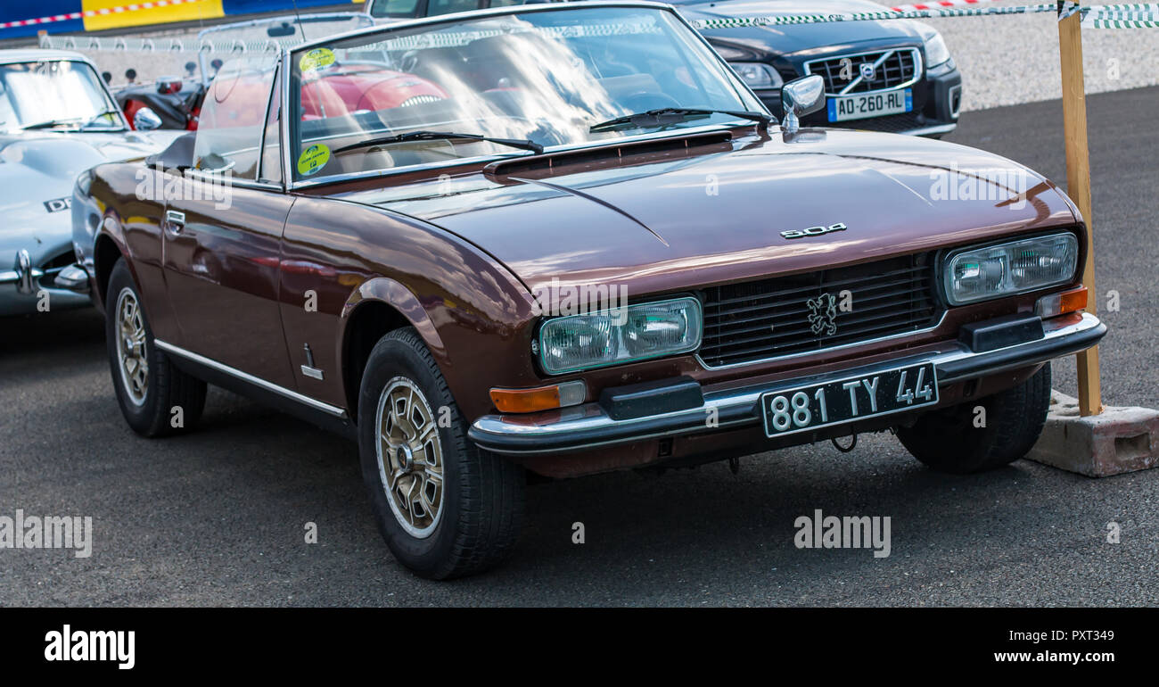 Classic Peugeot 504 Cabriolet Car Stock Photo Alamy