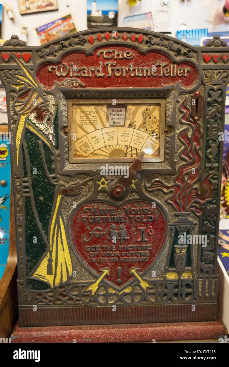 AN antique fortune telling machine at Marsh's Free Museum in Long Beach, Washington, USA. - Stock Image
